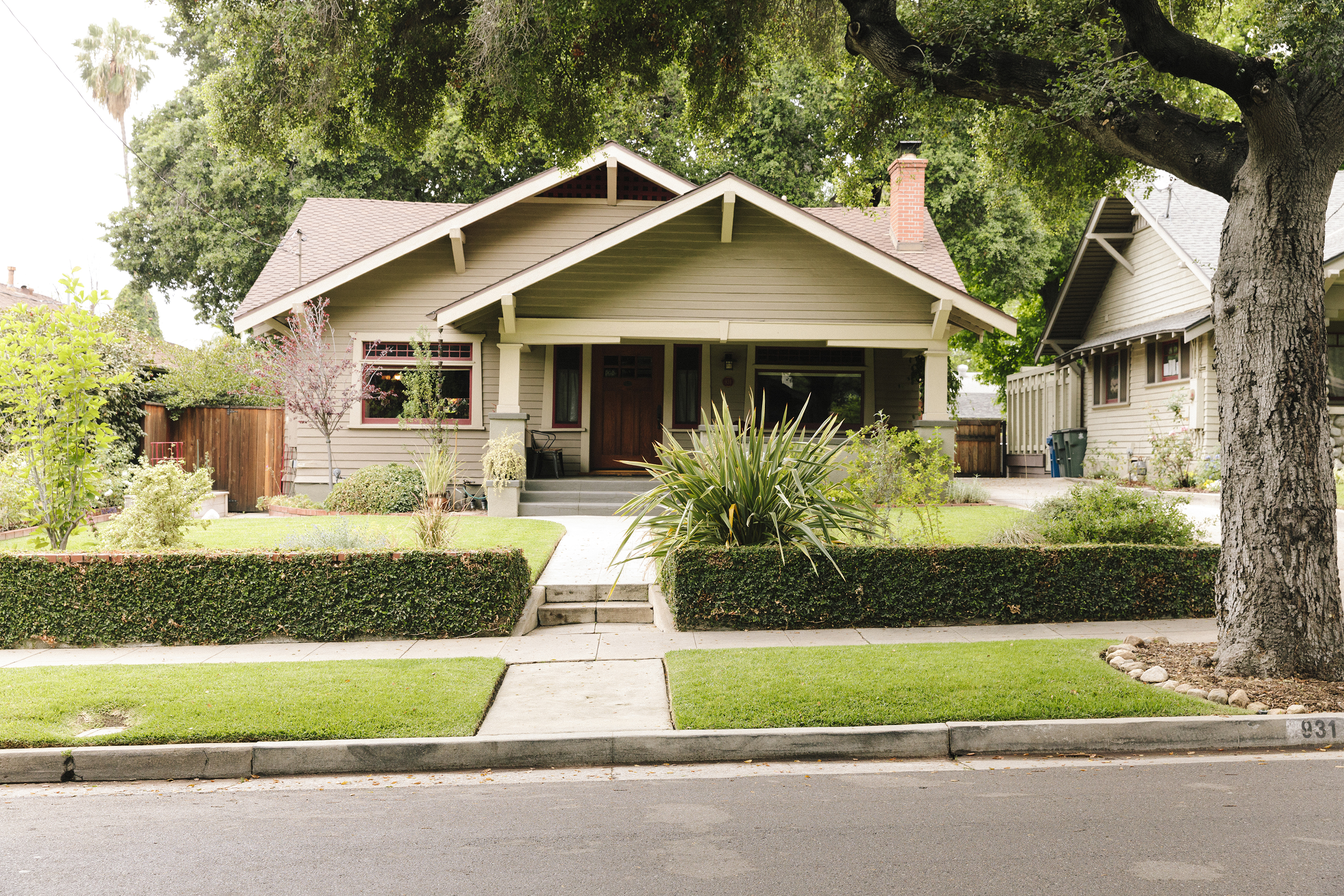 LA real estate market may be shifting toward buyers