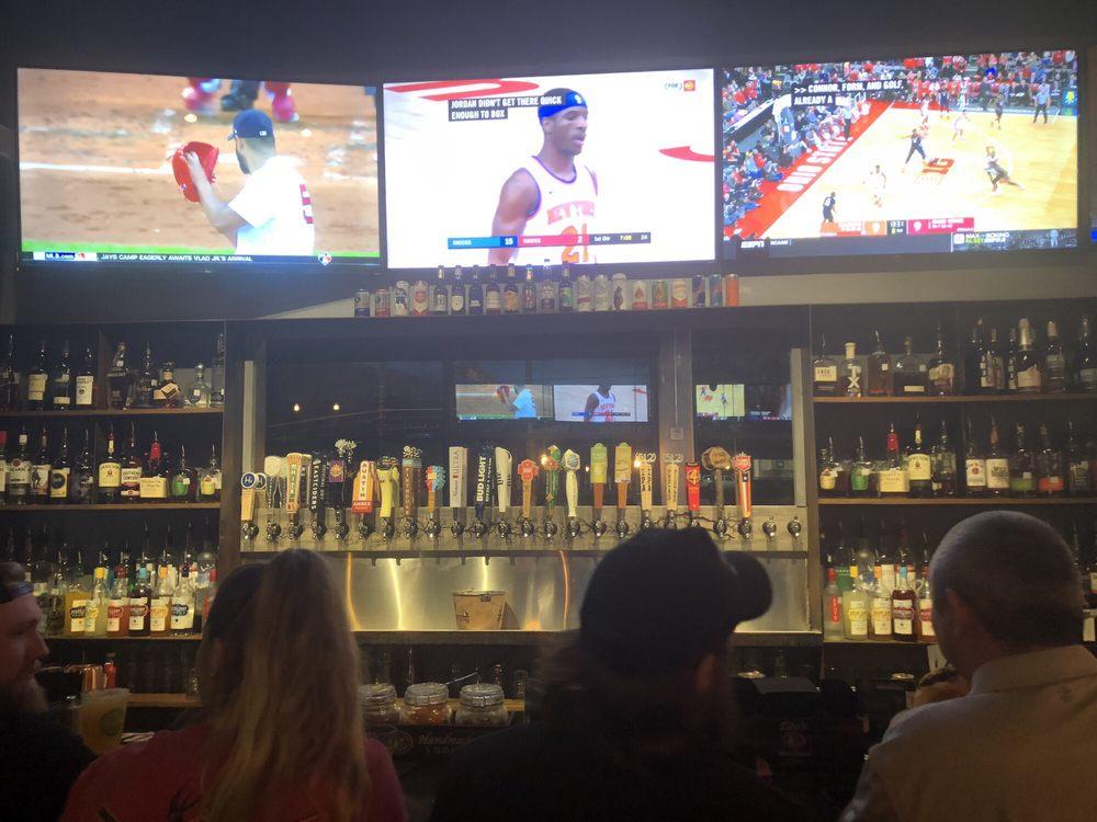 Oak Sports Bar