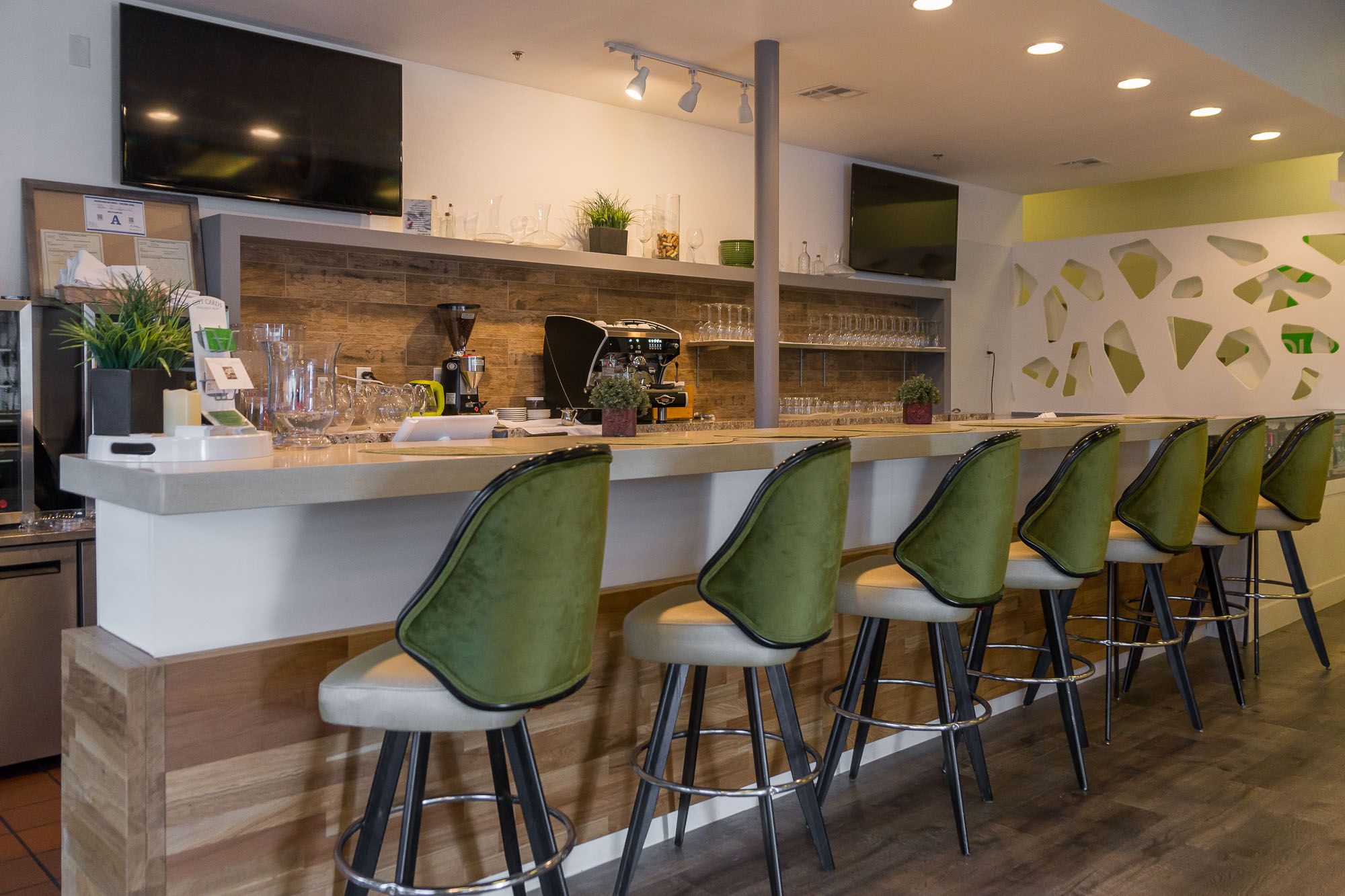 Westside Healthy Restaurant Gets a Modern Makeover