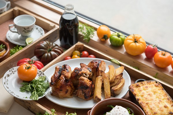 Victoria Park Village Restaurant with Rigid Sharing Concept Closes