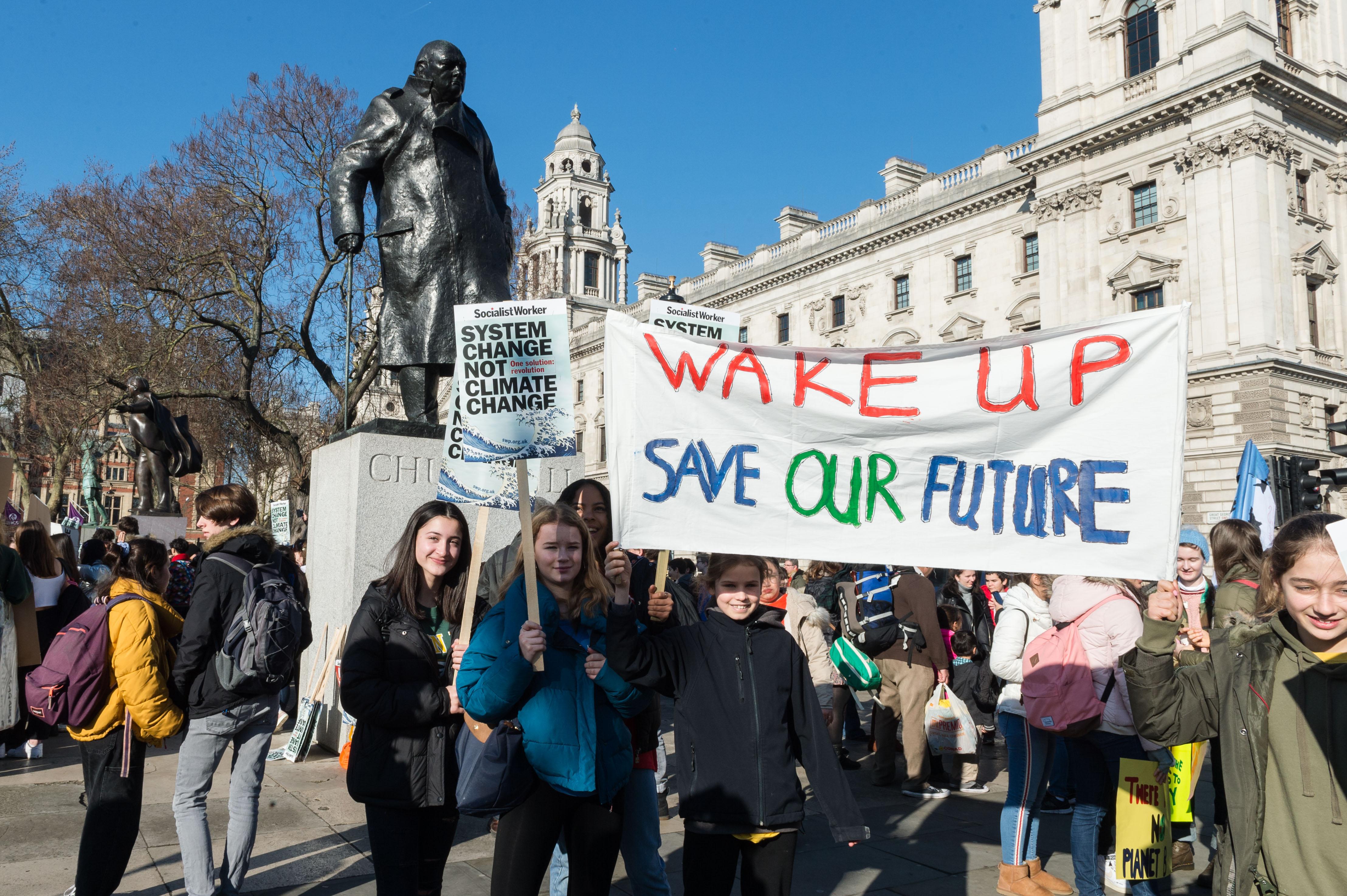 Climate Strike March 15 Twitter: Gérard Depardieu, Auvergne