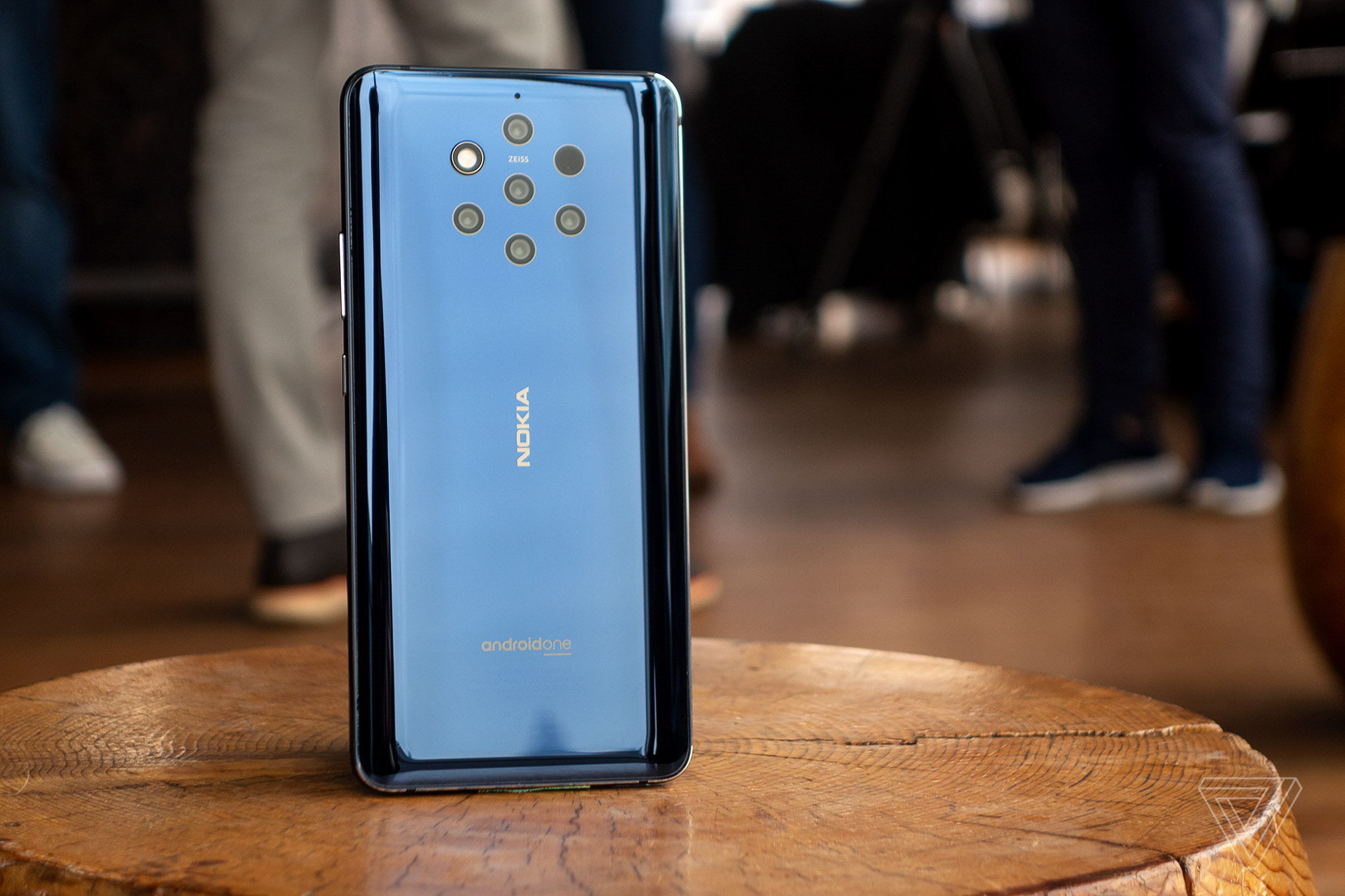 9de00a92eb The Nokia 9 PureView has five cameras and a lot to prove