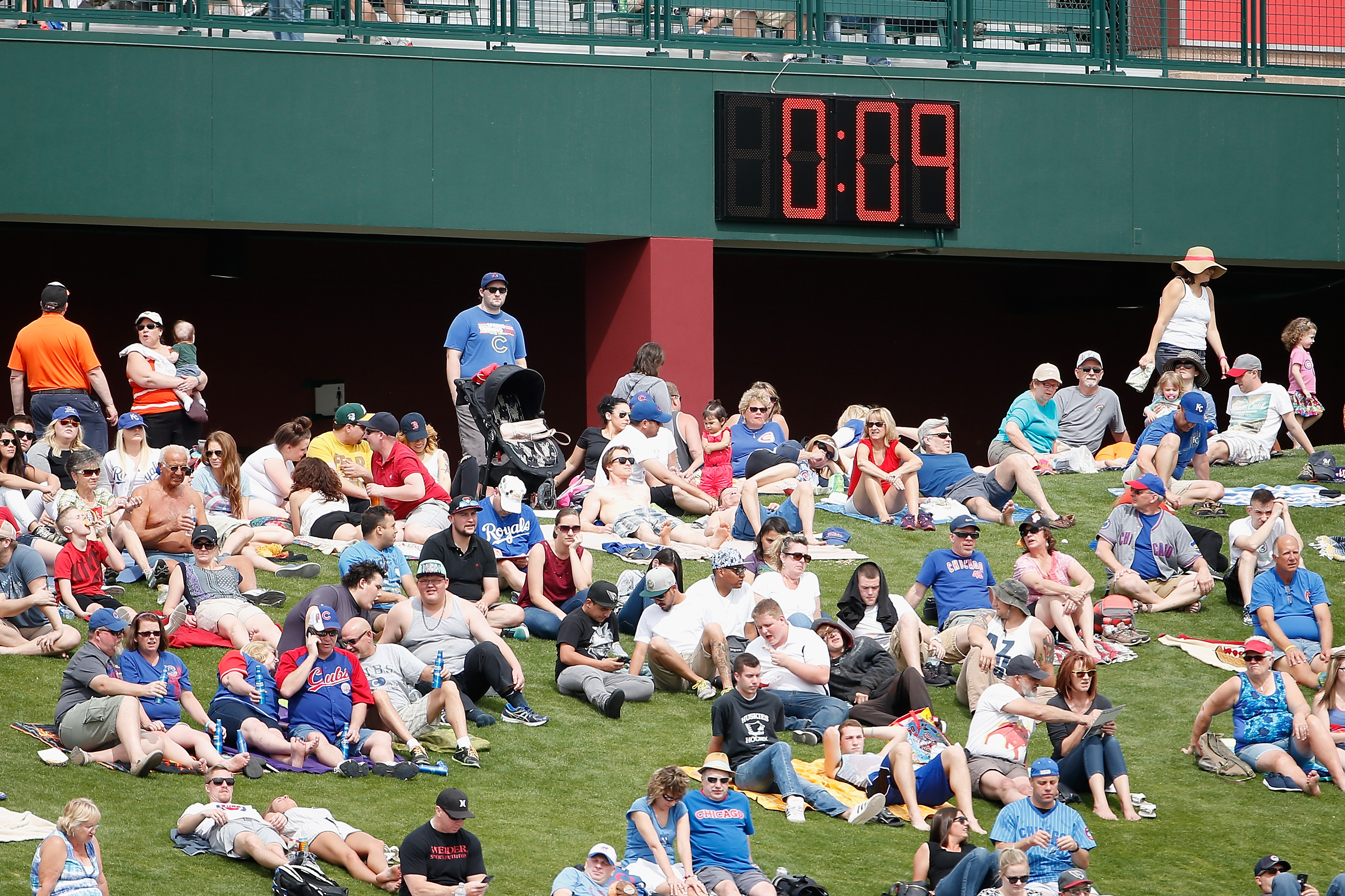 Here are some details about MLB's new pitch clocks - Bleed