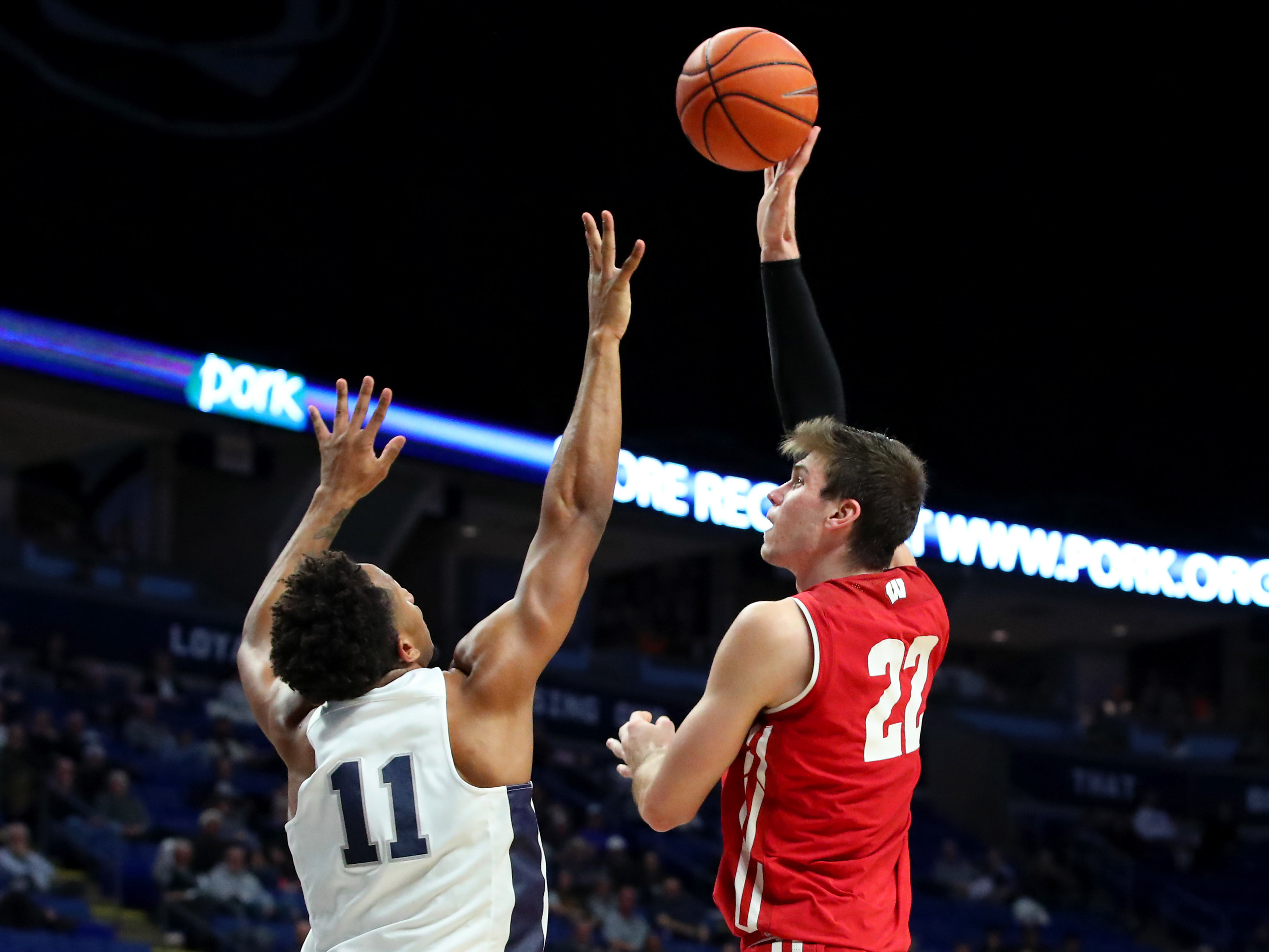 dbcab68f0302 Penn State at No. 19 Wisconsin Preview  Lions Seek First Win At Kohl Center