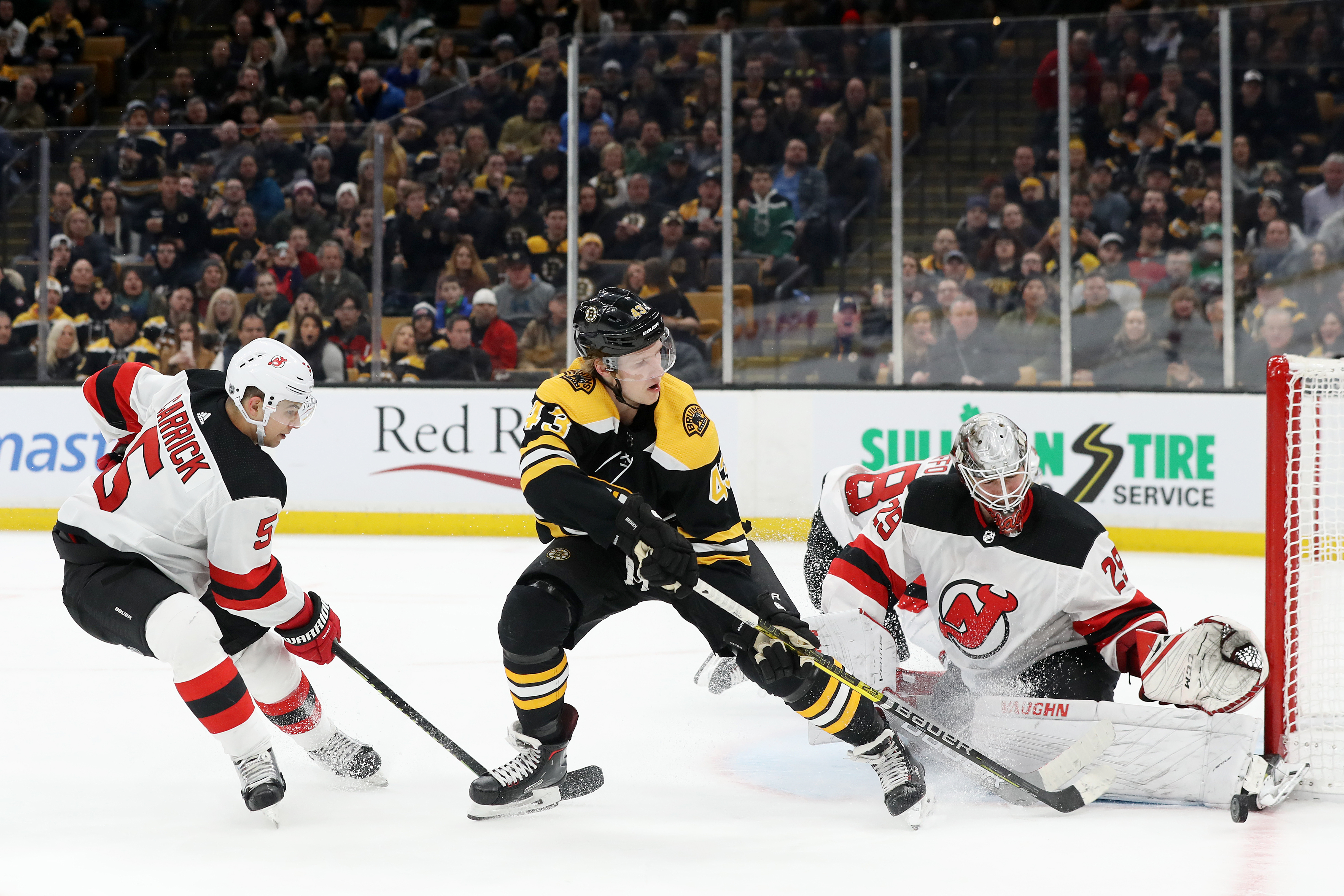 New Jersey Devils Edged by Boston Bruins in a Goaltender s Duel 44921e790