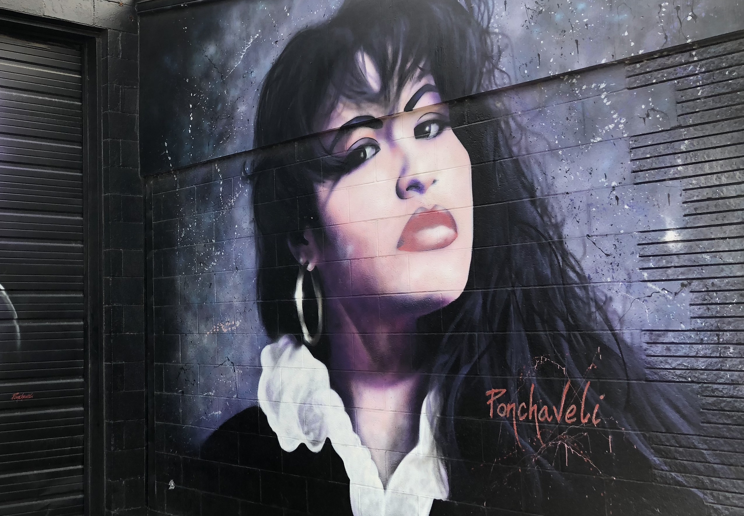 A Dallas Brewery Will Celebrate Queen of Tejano Selena Quintanilla Perez With Brunch
