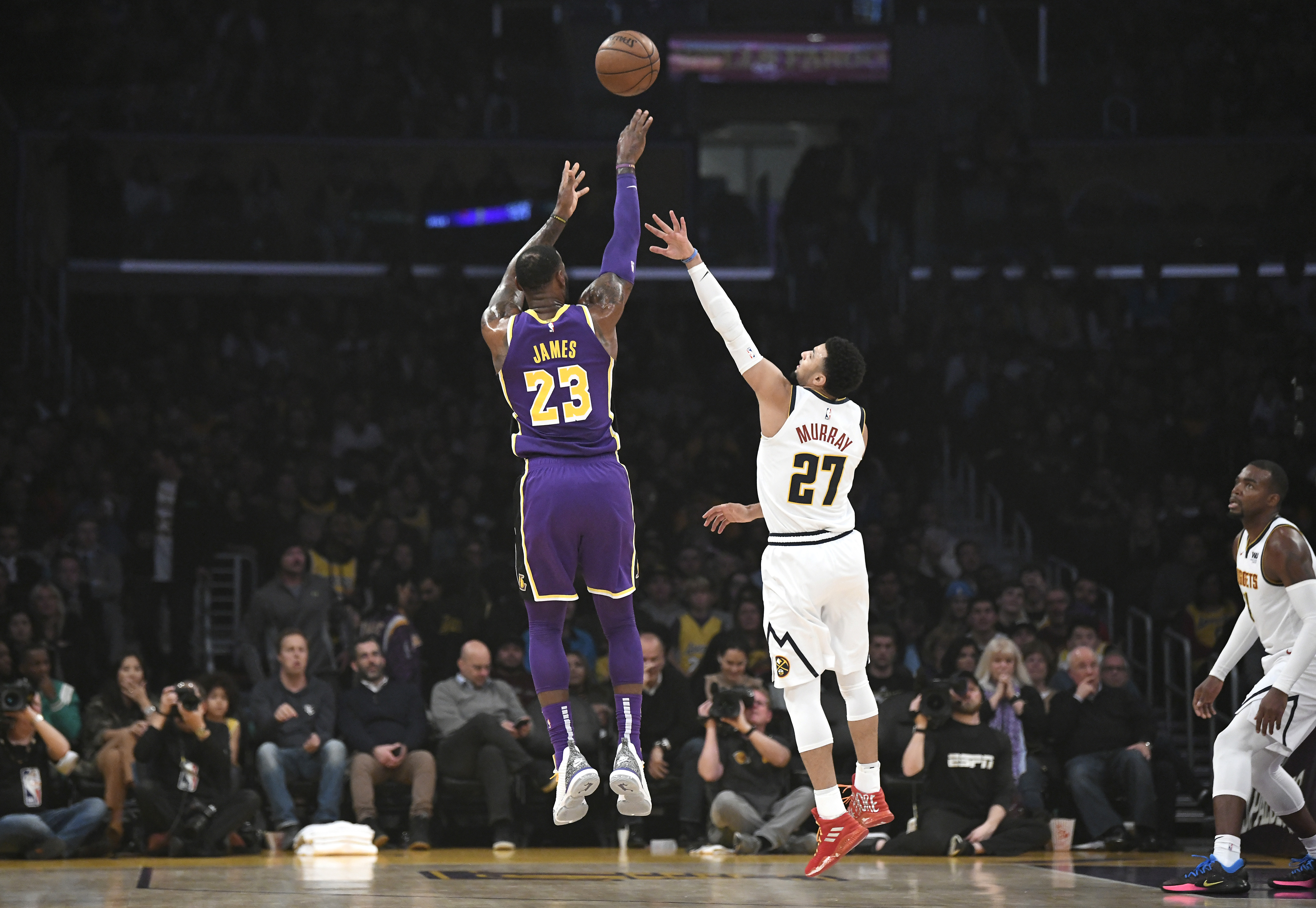 Lakers can t close out as LeBron James passes Michael Jordan on the all-time  scoring list 656cff13c