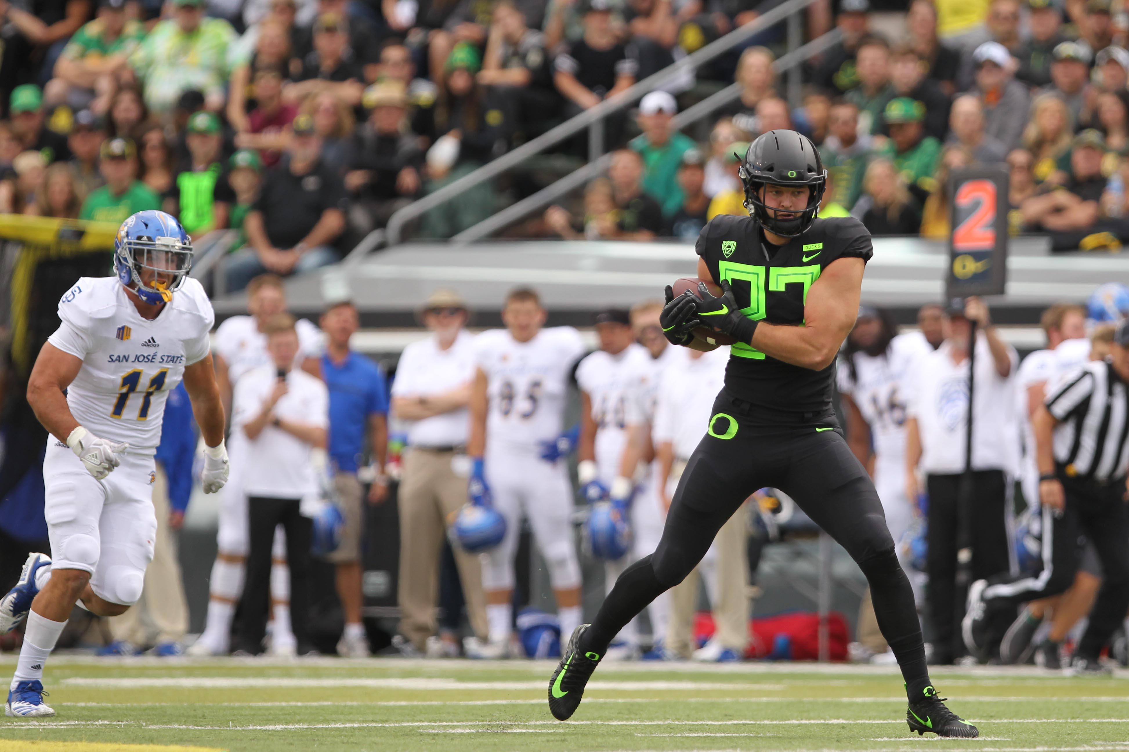 2019 Oregon Ducks Spring Preview  Tight Ends 25570587b3