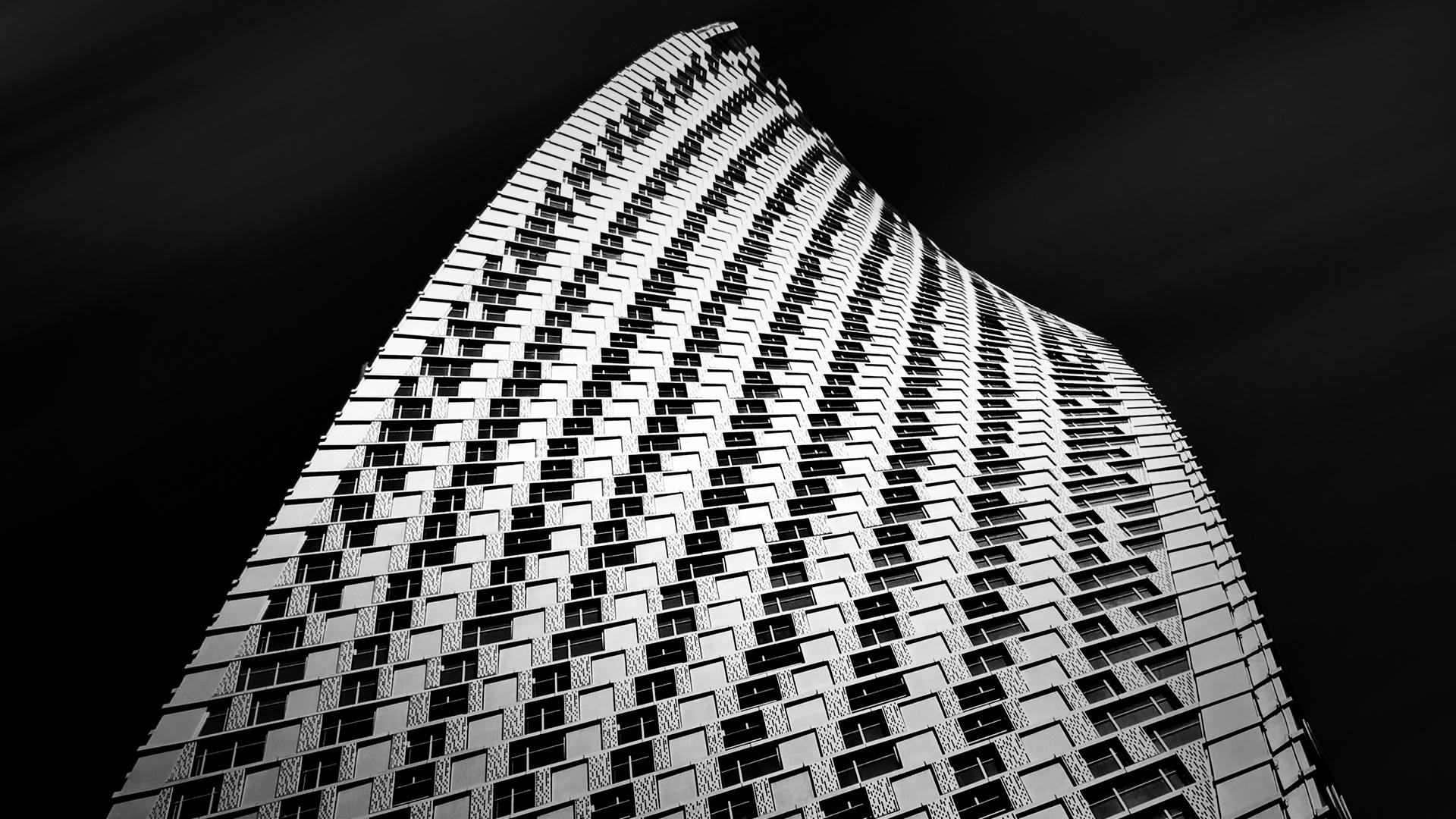 Dubai's Cayan Tower