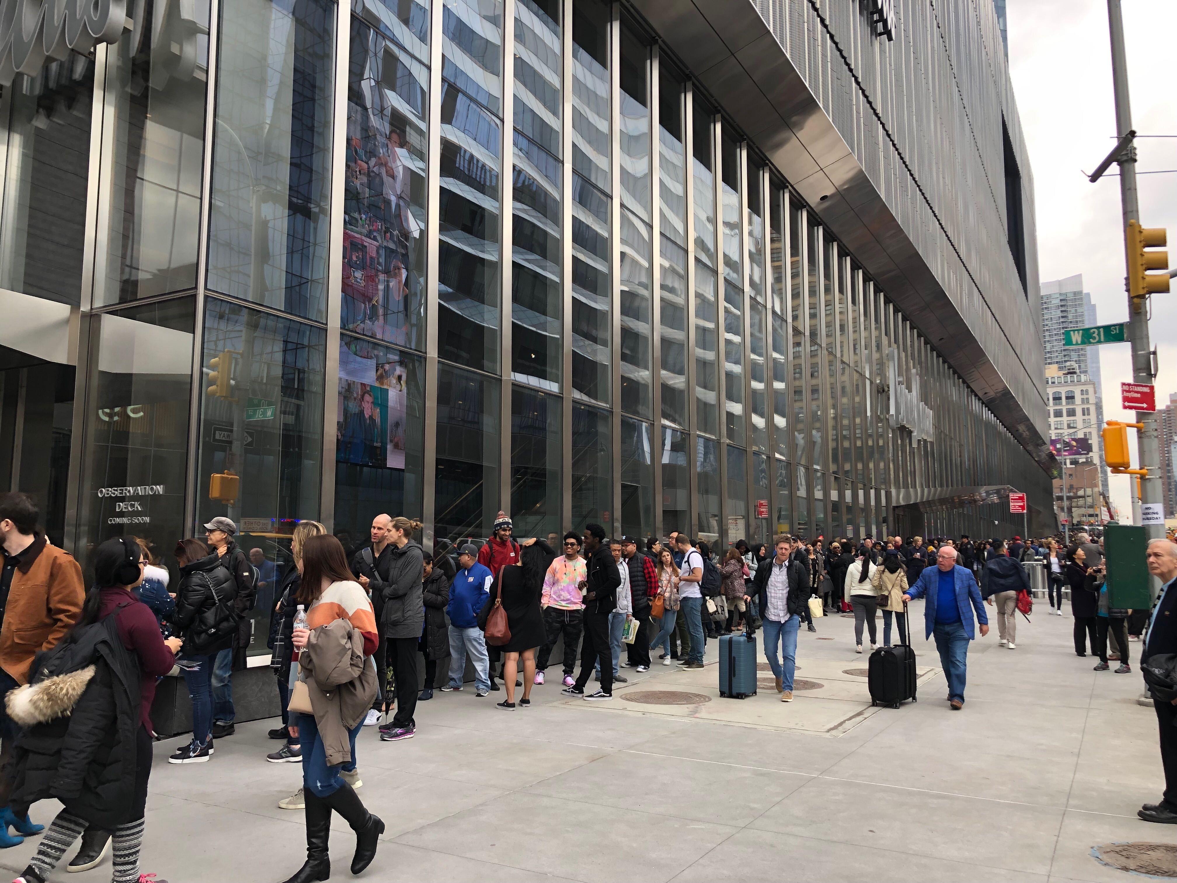 Hudson Yards line at 11:51 a.m.