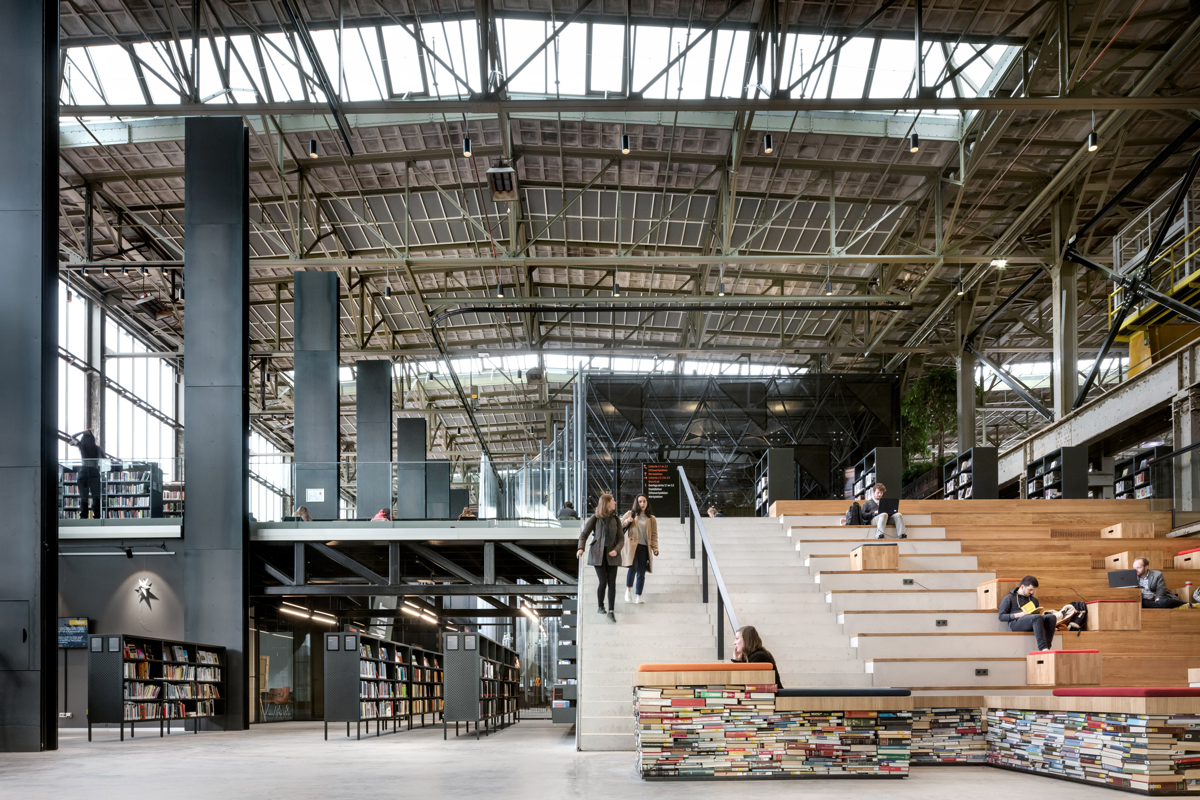 Old warehouse brilliantly transformed into a public library
