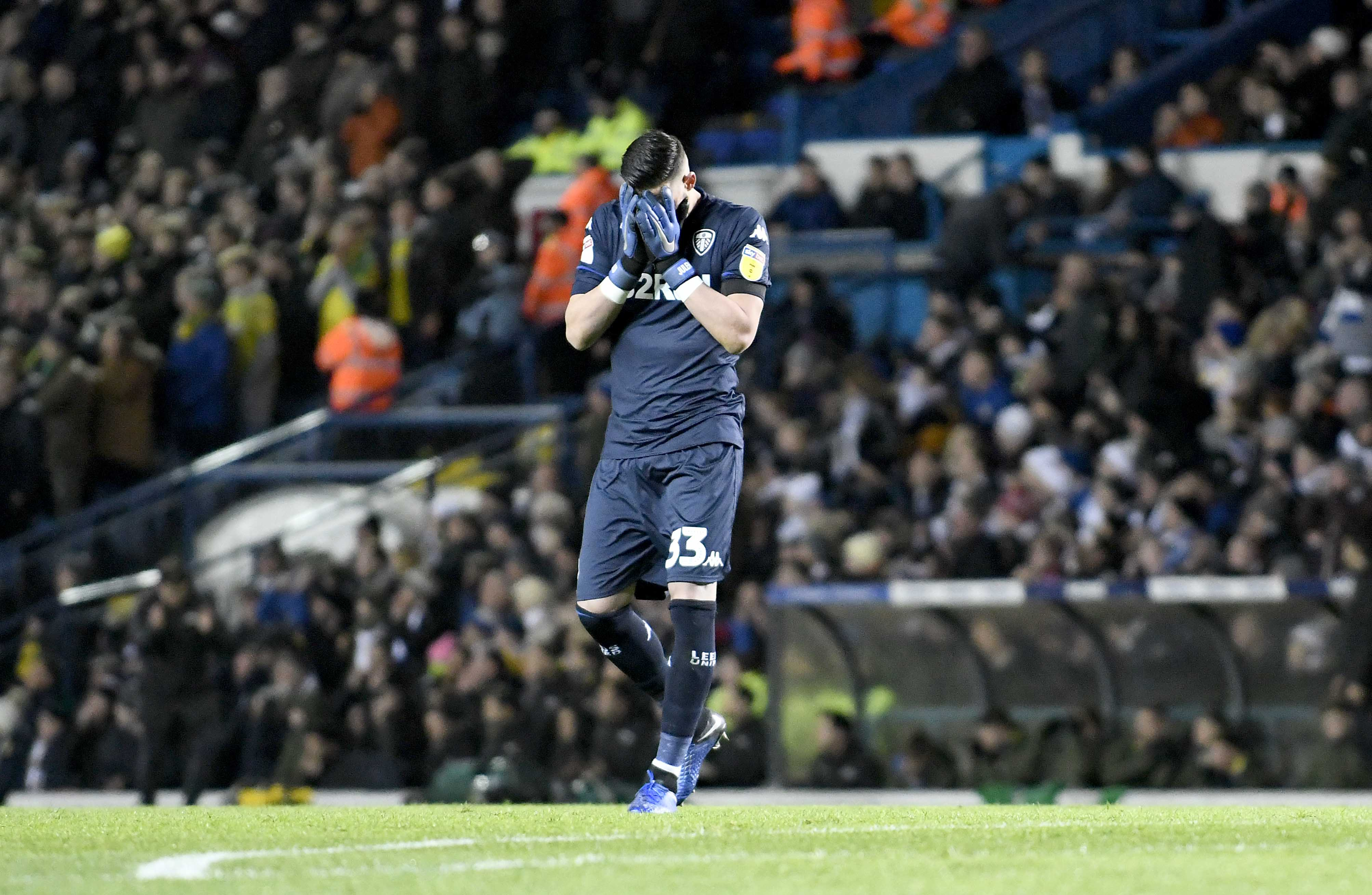 Morning Leeds-in for 19 March: Leeds United accepts one-match ban for keeper Kiko Casilla