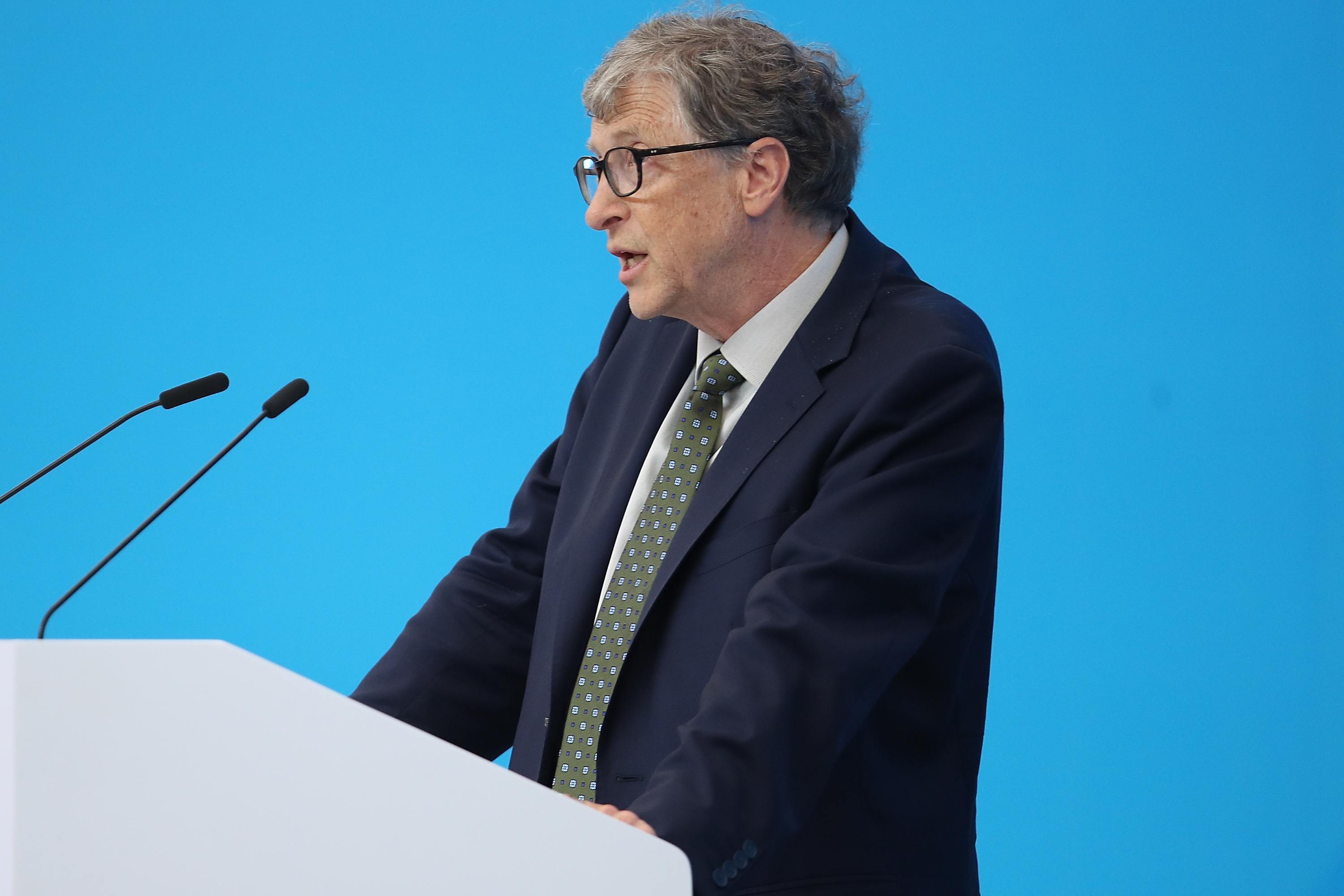 """Bill Gates: AI is like """"nuclear weapons and nuclear energy"""" in danger and promise"""