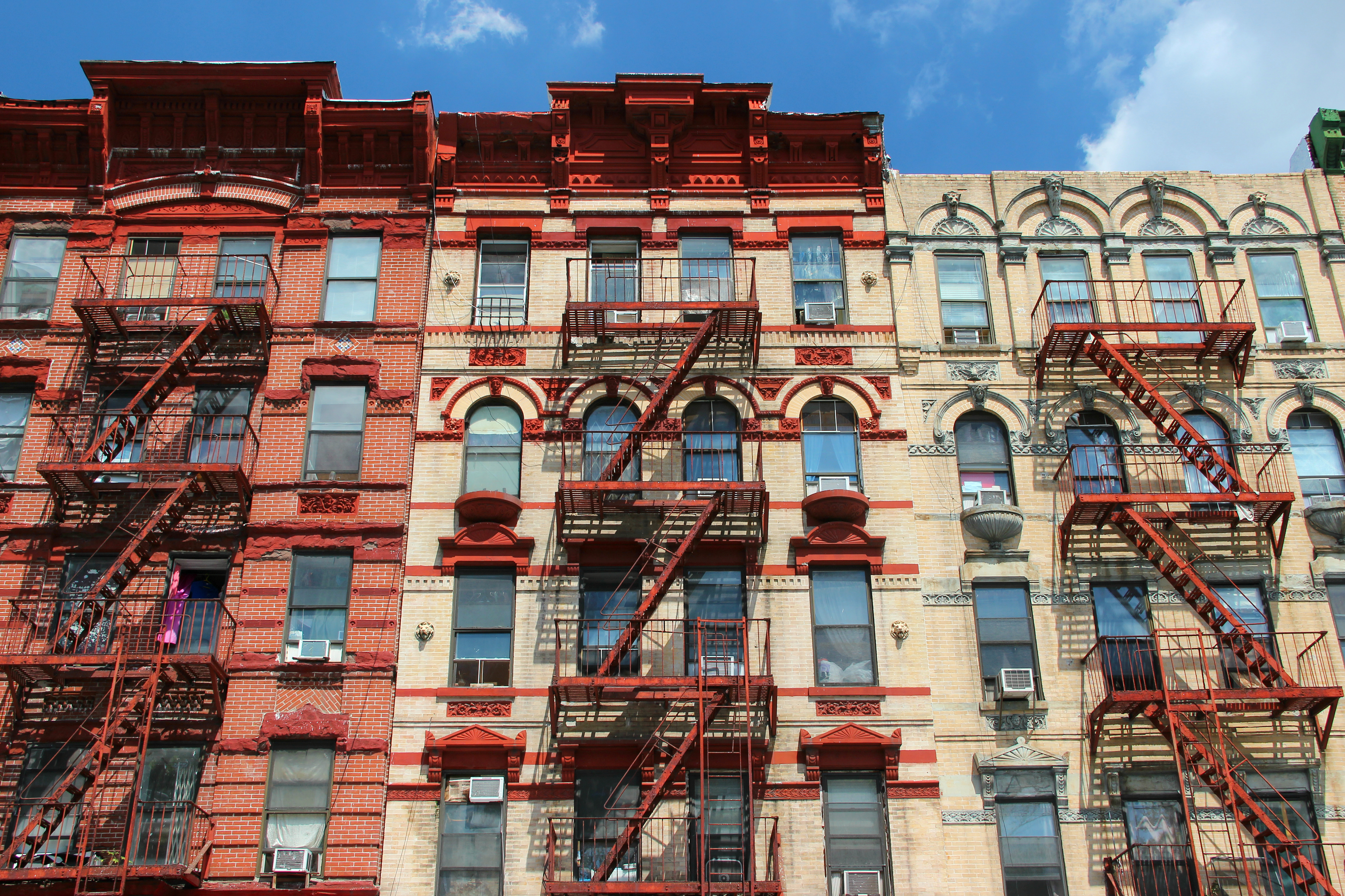 Nearly half of New Yorkers can't afford to live in NYC: poll