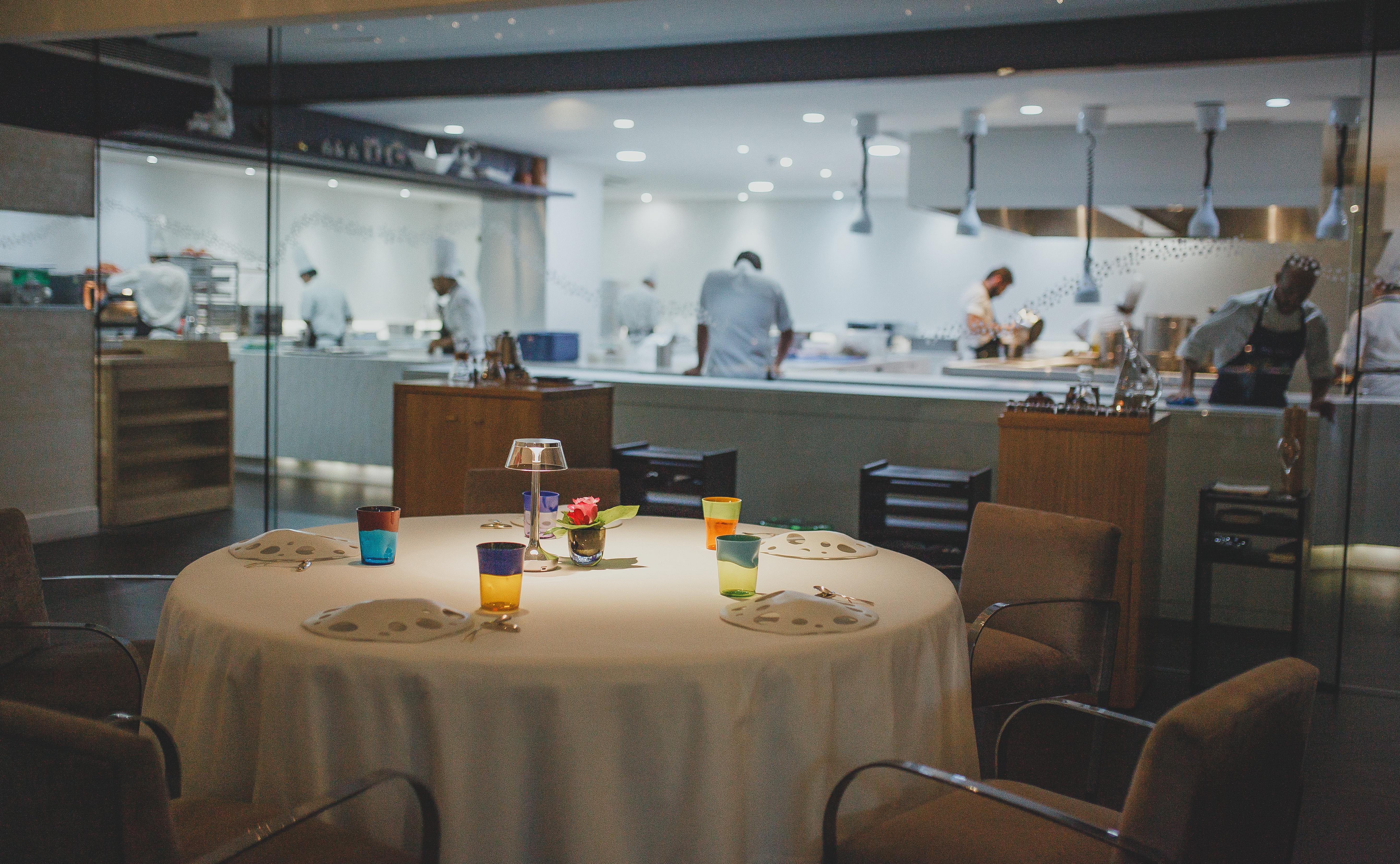 An empty table at Restaurante Dani García