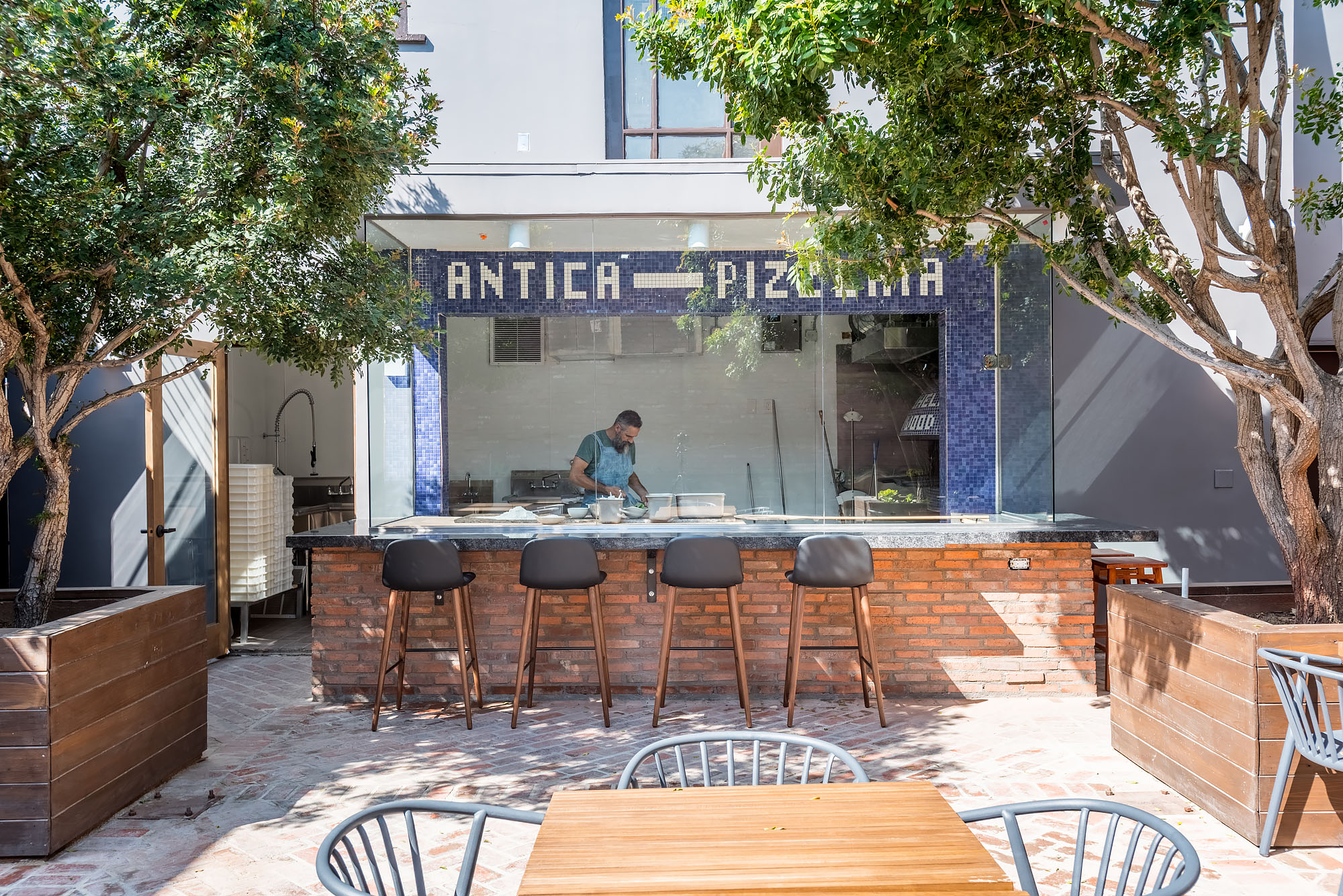 Iconic Naples Pizzeria Brings Its Famous Pies to a Gorgeous Hollywood Patio