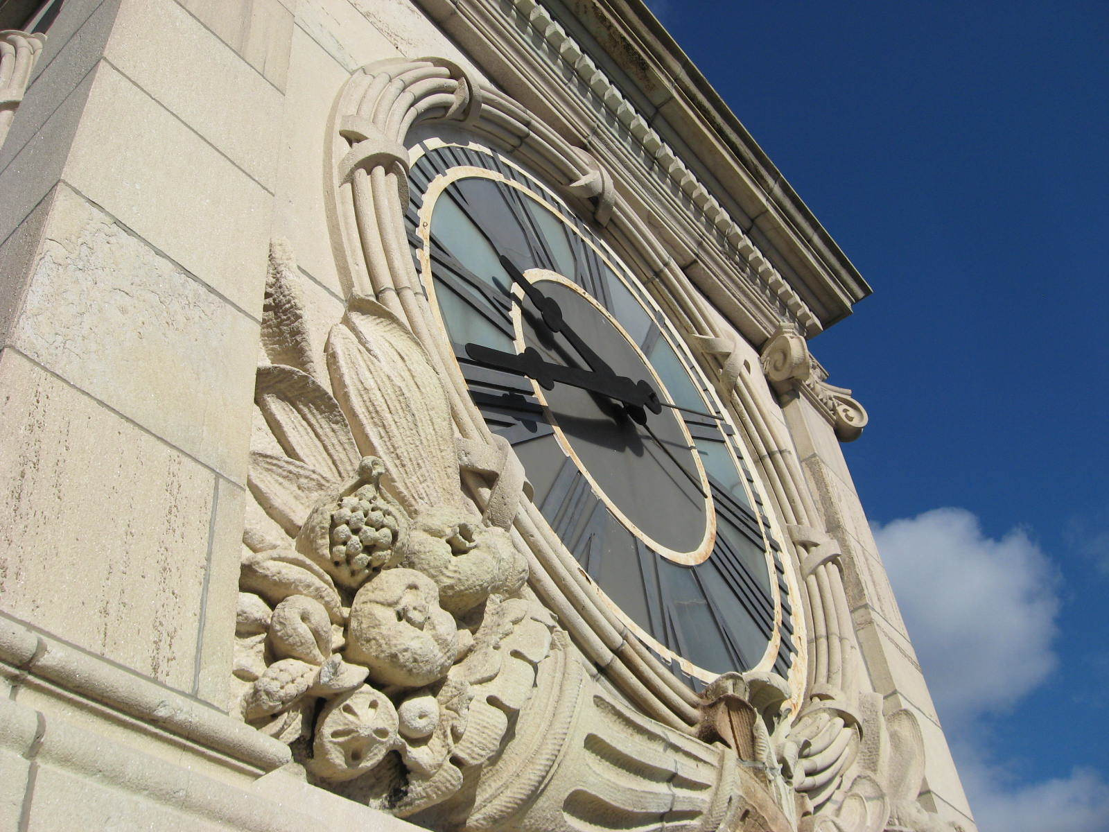 Time's up for Tribeca's landmarked clock tower, court rules