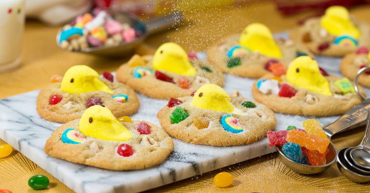 Tiff's Treats' Easter Basket cookie