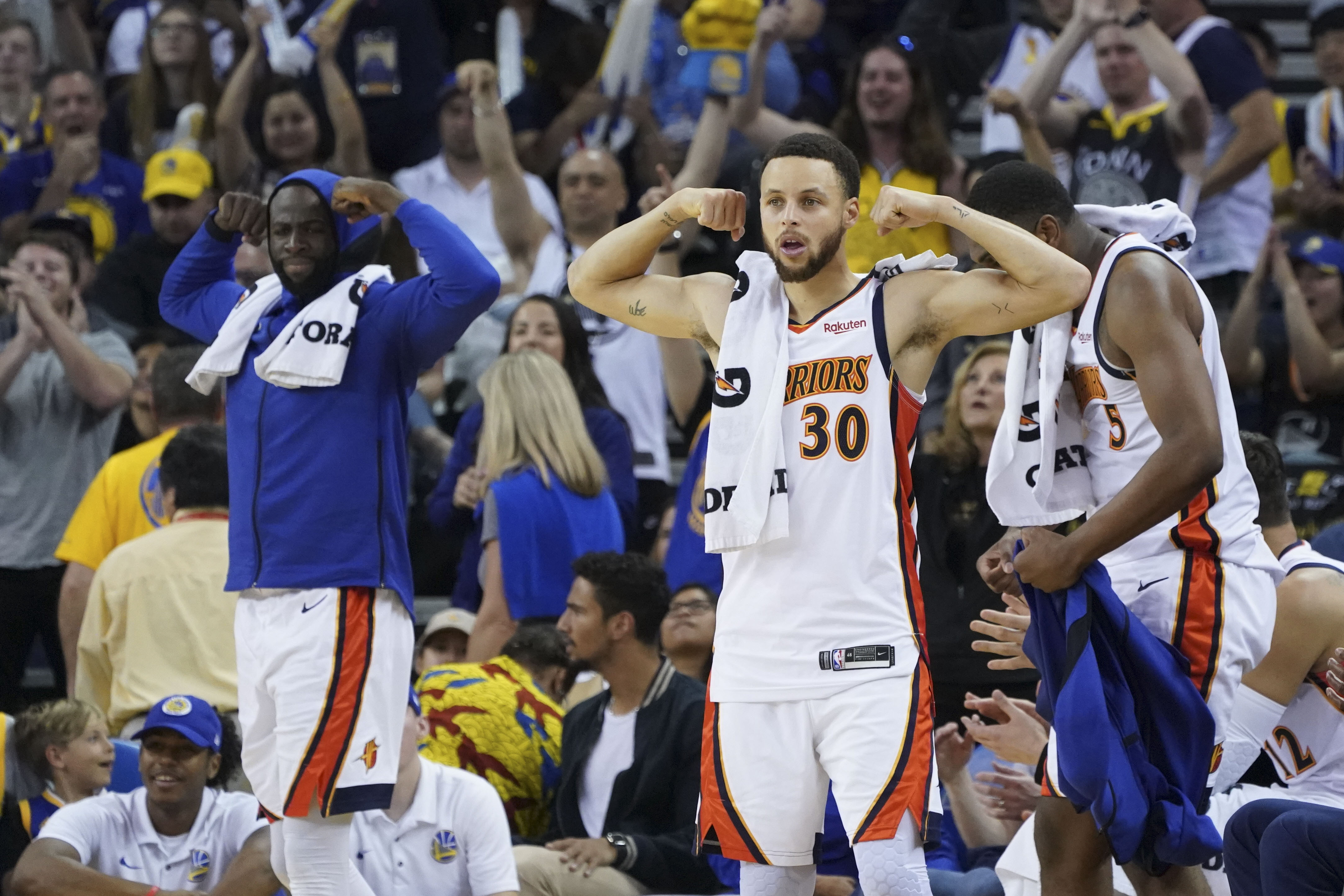 28f8631e6 Analysis  Warriors clinch top spot in Western Conference with blowout win  over Los Angeles Clippers