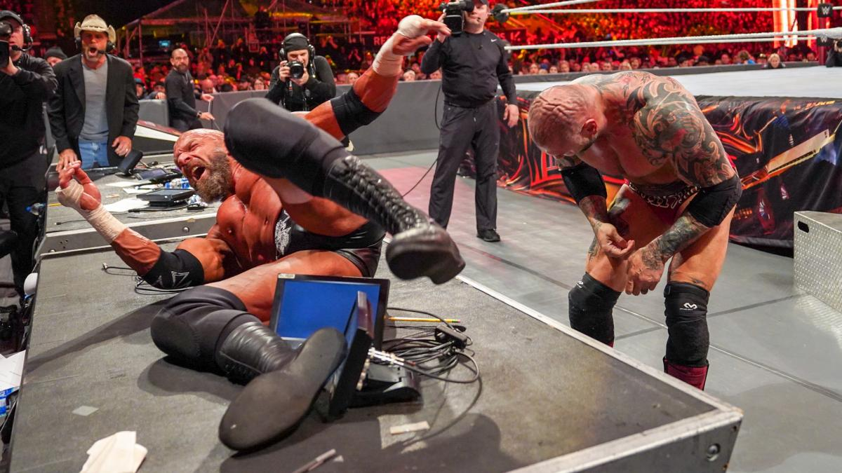 Cageside Seats Archives - WWE Raw - Page 15