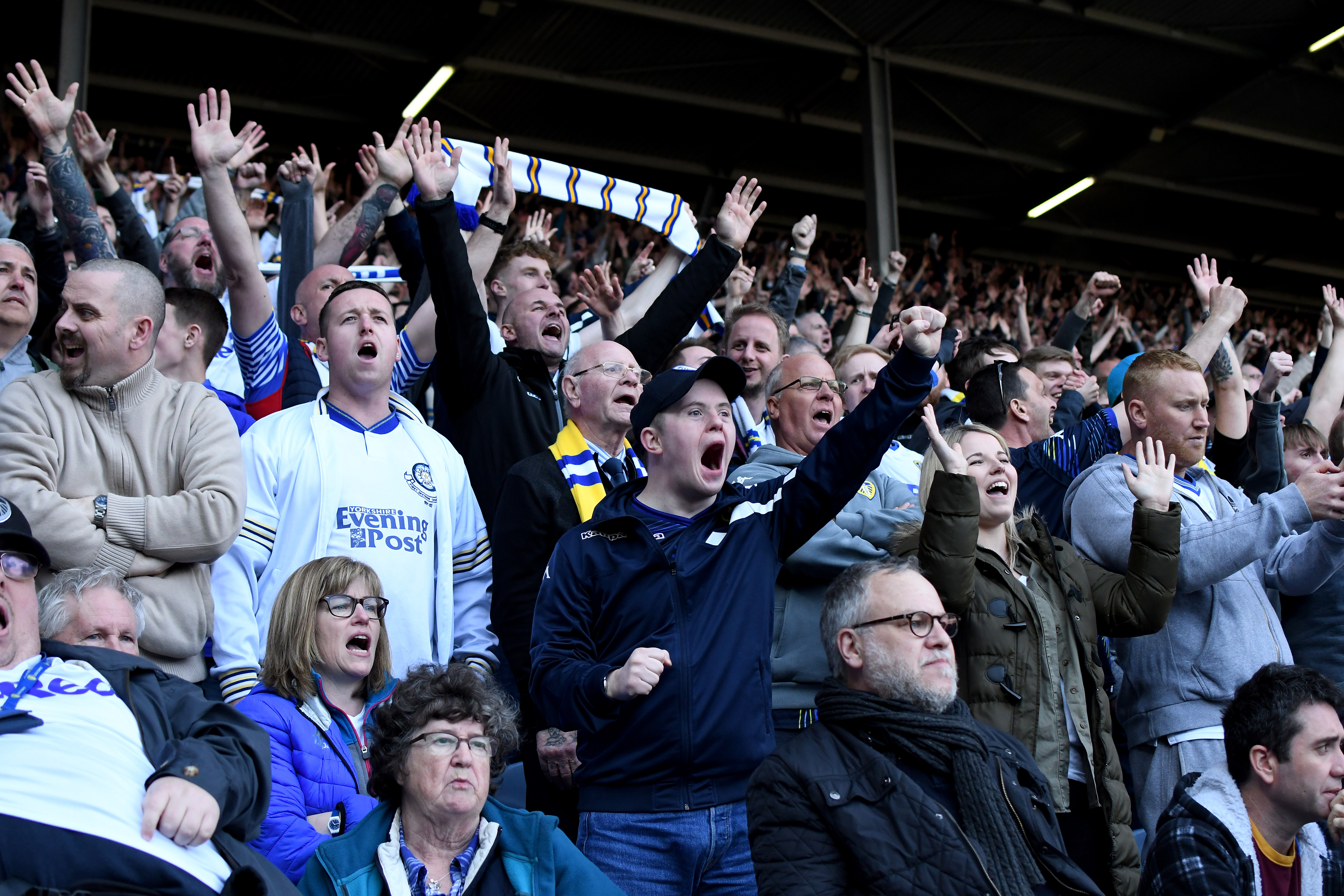 Morning Leeds-in for 17 April: Leeds United paid tribute to Les Reed, songwriter of club anthem