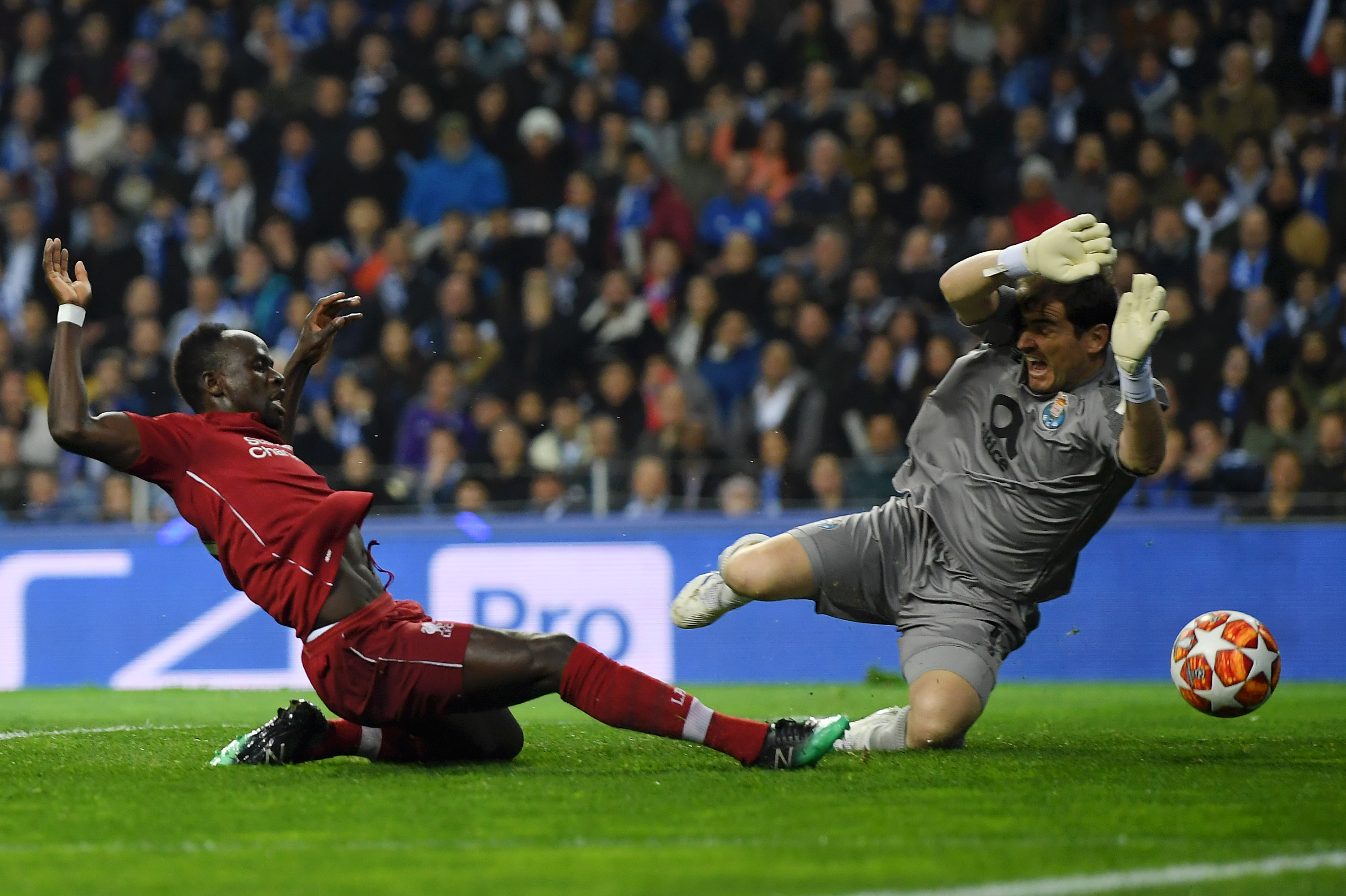 Porto 1, Liverpool 4 (1-6 agg.) - Match Recap: Porto Outclassed Again