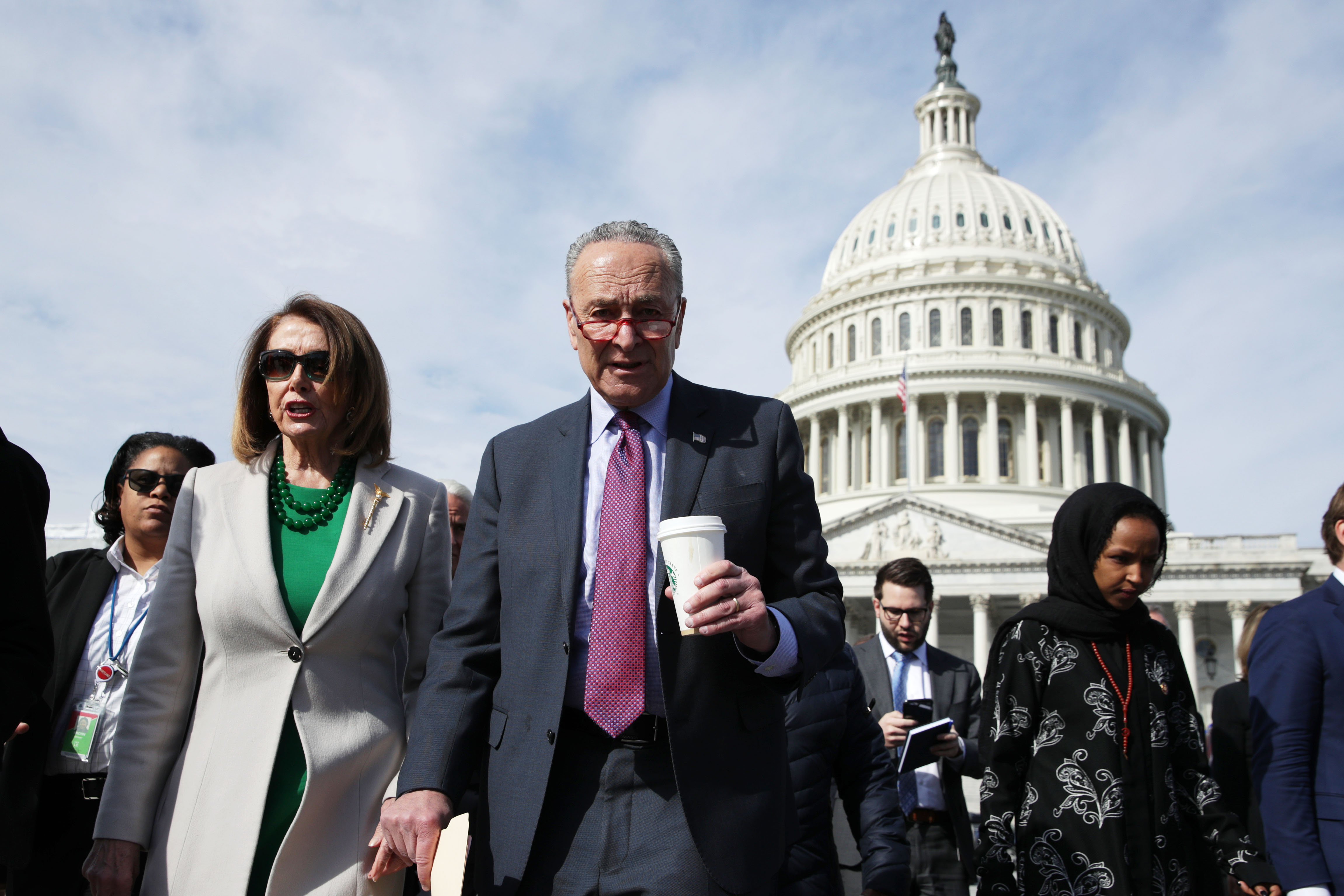 Mueller report: Pelosi and Schumer want Mueller to testify to Congress