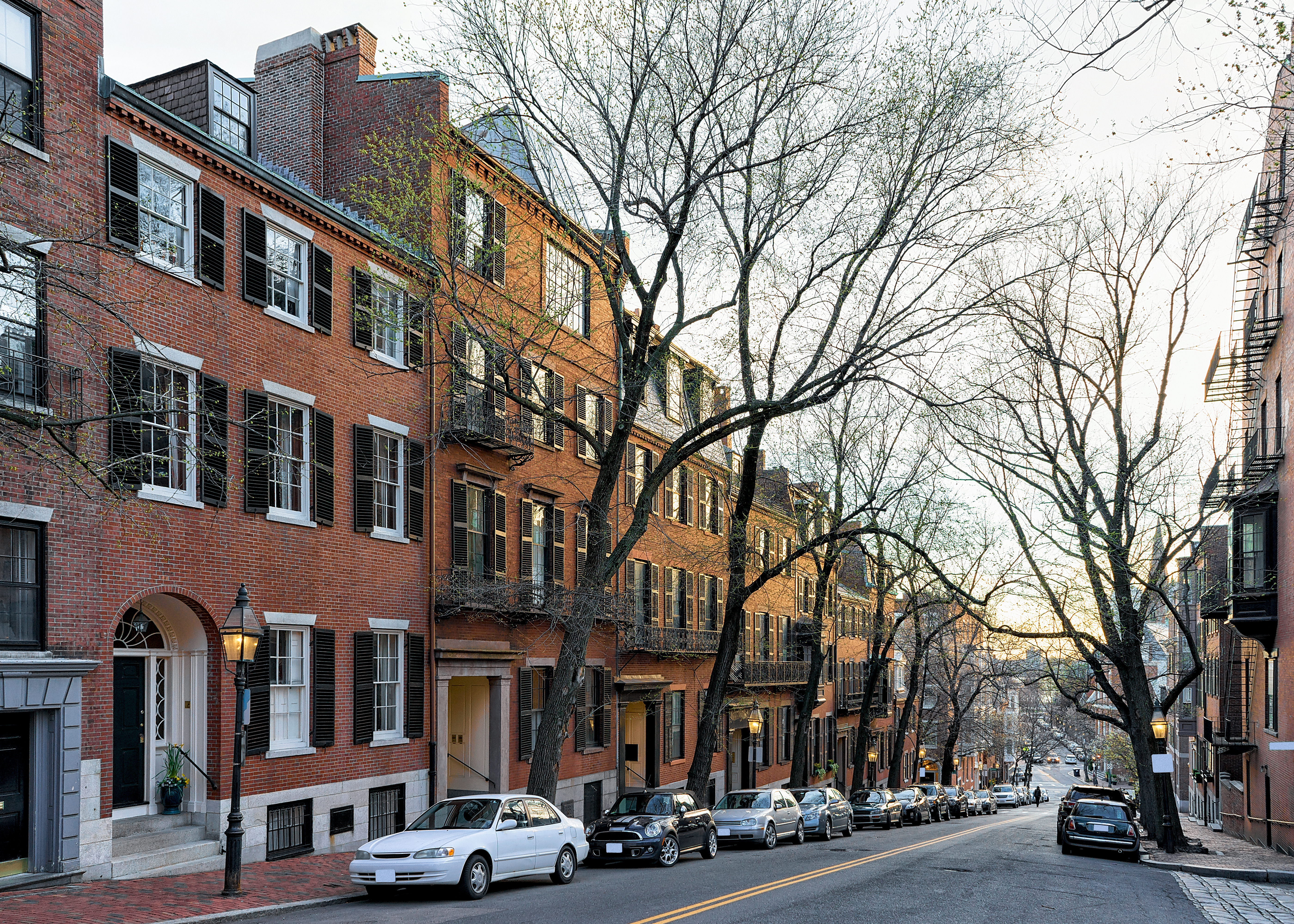Downtown Boston median townhouse price jumps in first quarter 2019, report says