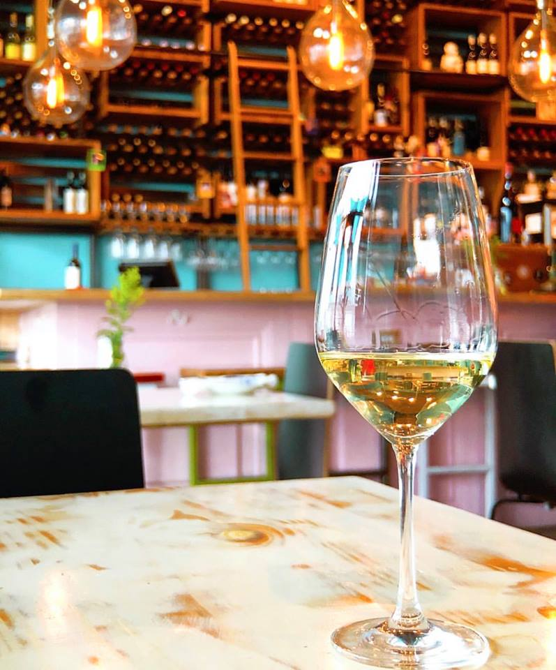 Statesman Critic Lauds the Food But Bemoans Small Pour Sizes at Aviary Wine & Kitchen