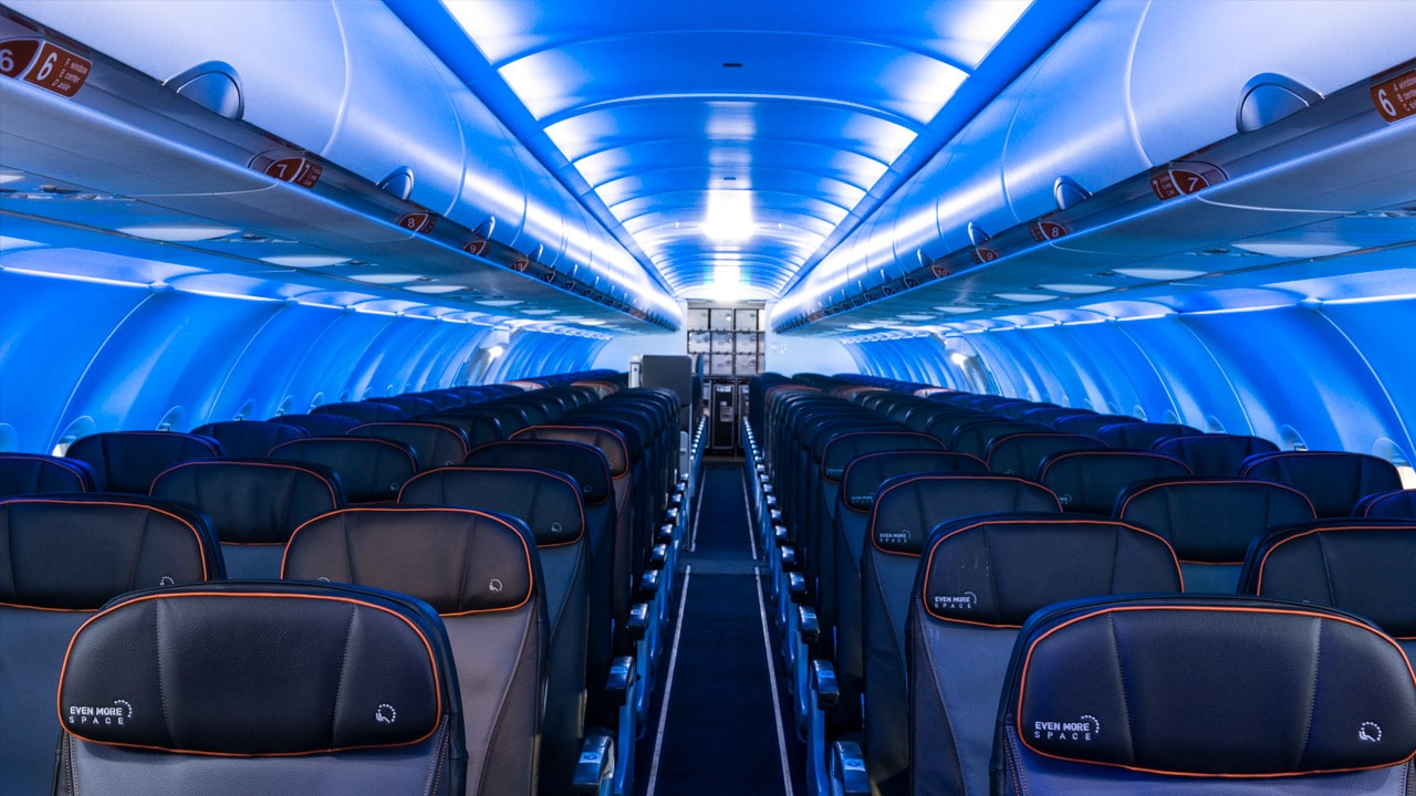 Blue airplane lighting has taken over Delta, JetBlue, and United