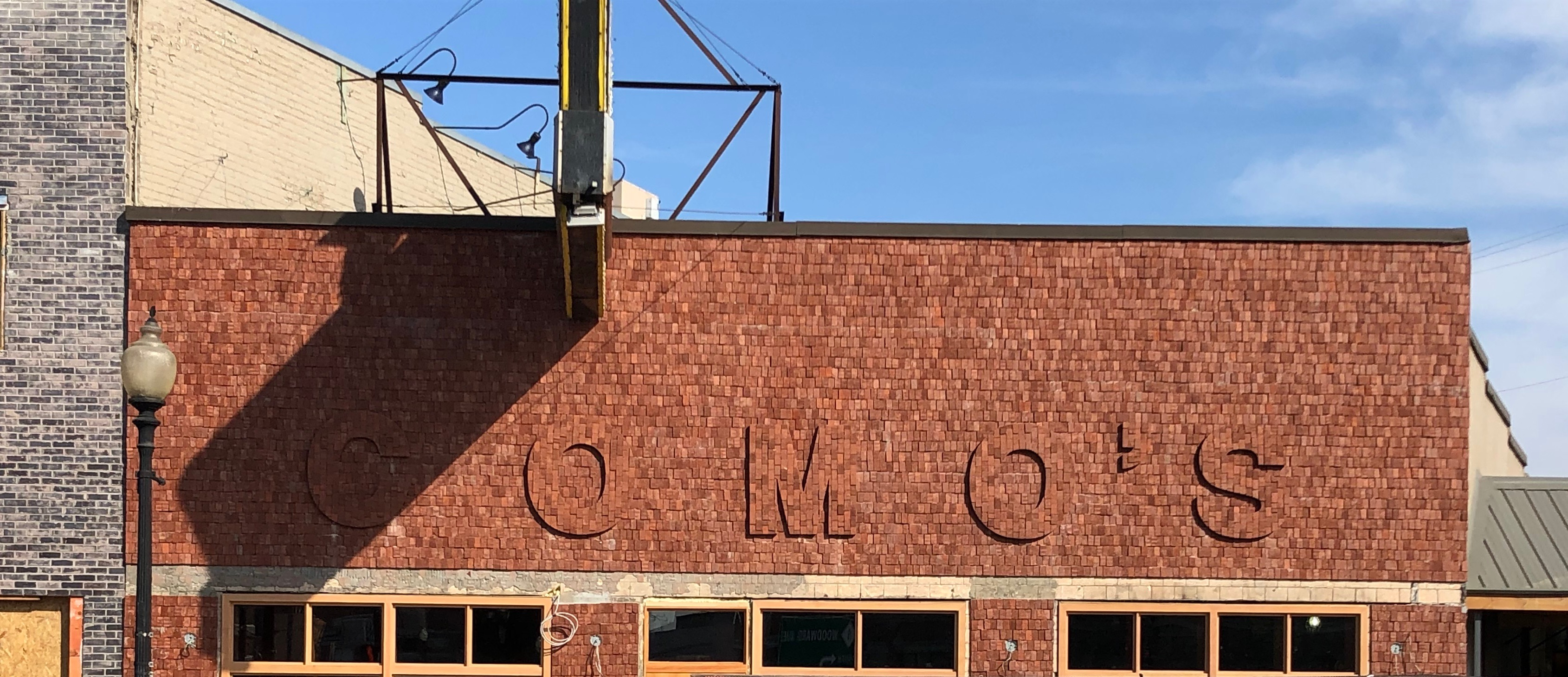 Como's Comes Back to Life With Detroit-Style Pizza in May