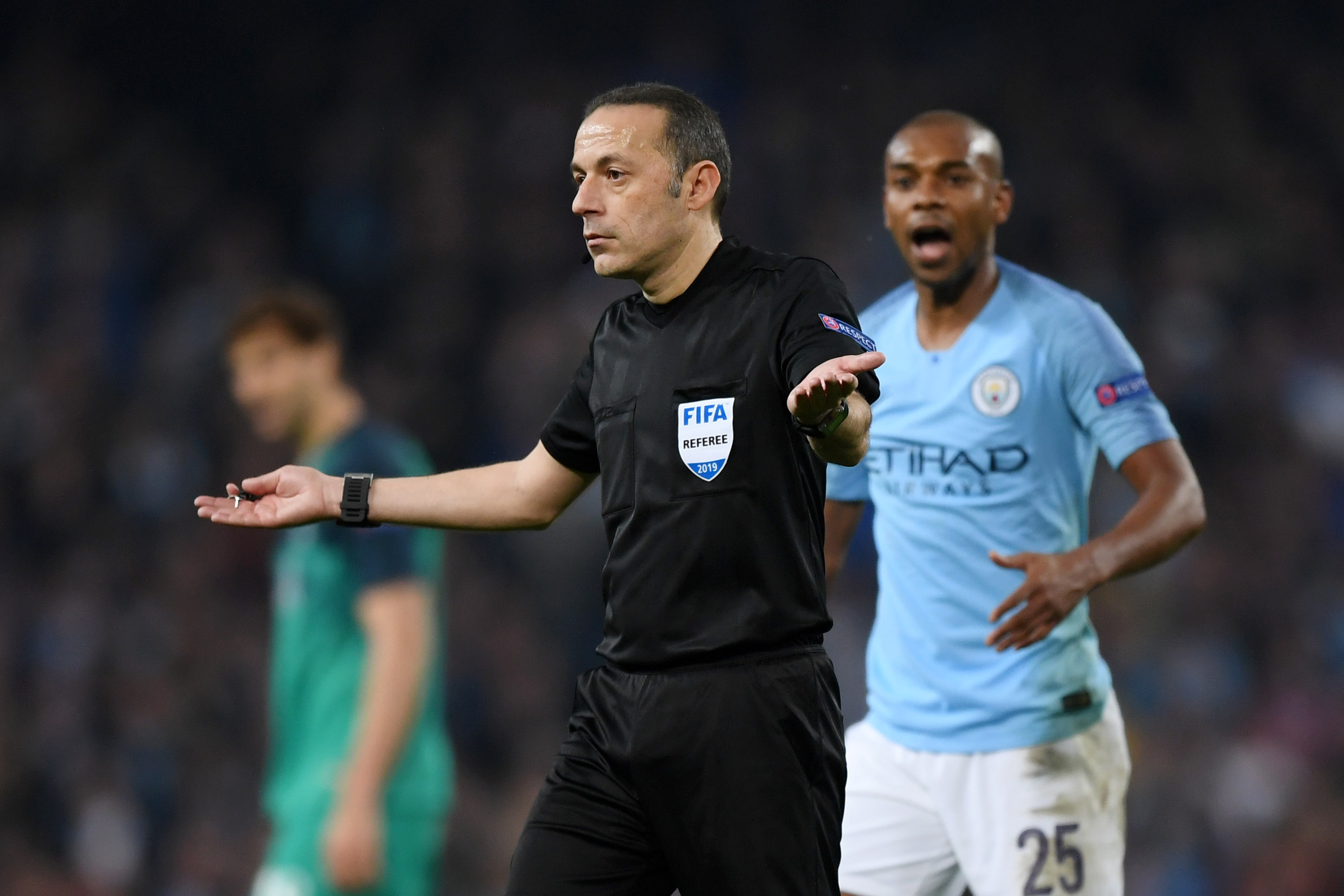 Tactically Naive: How to live in a world full of VAR