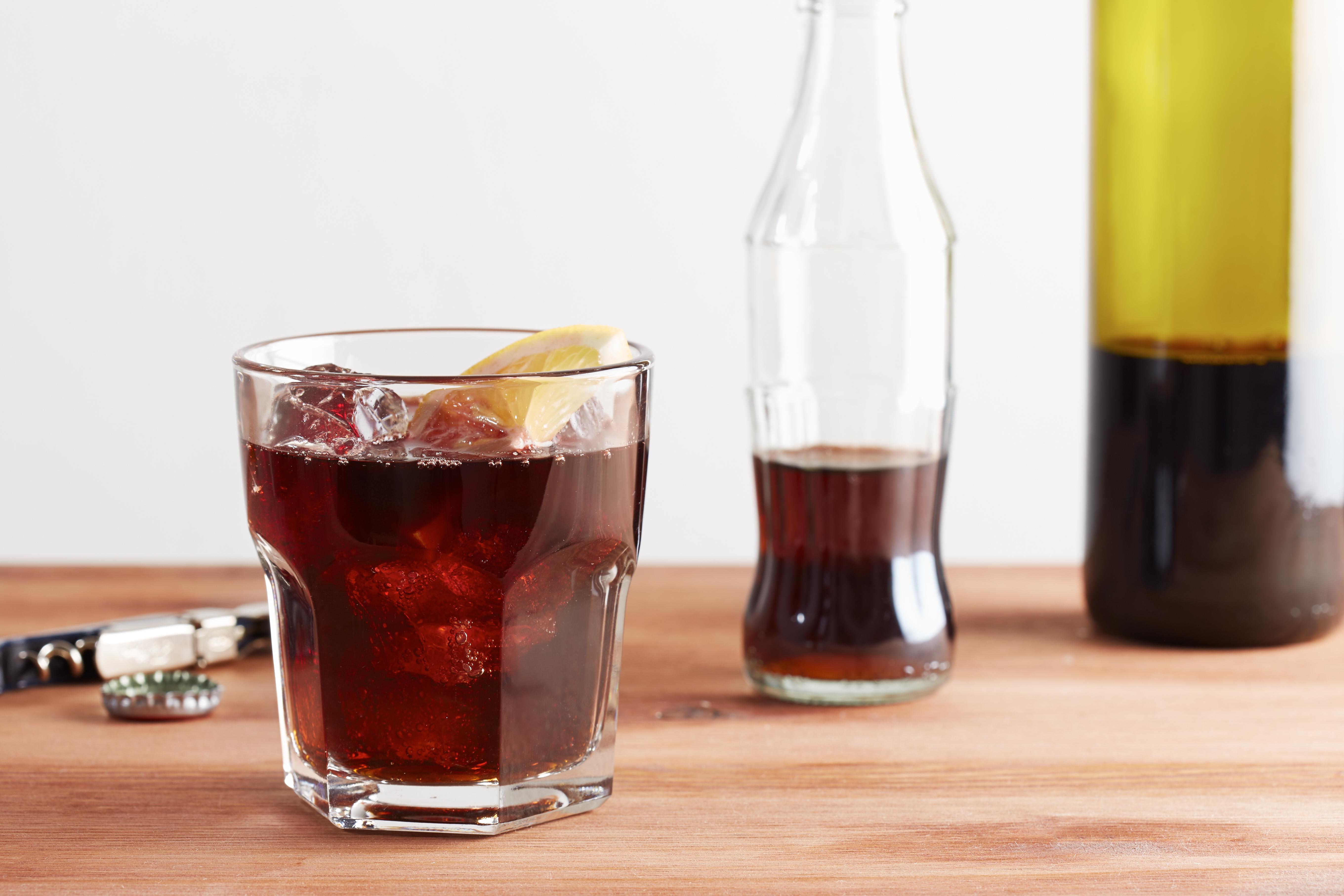 The kalimotxo drink