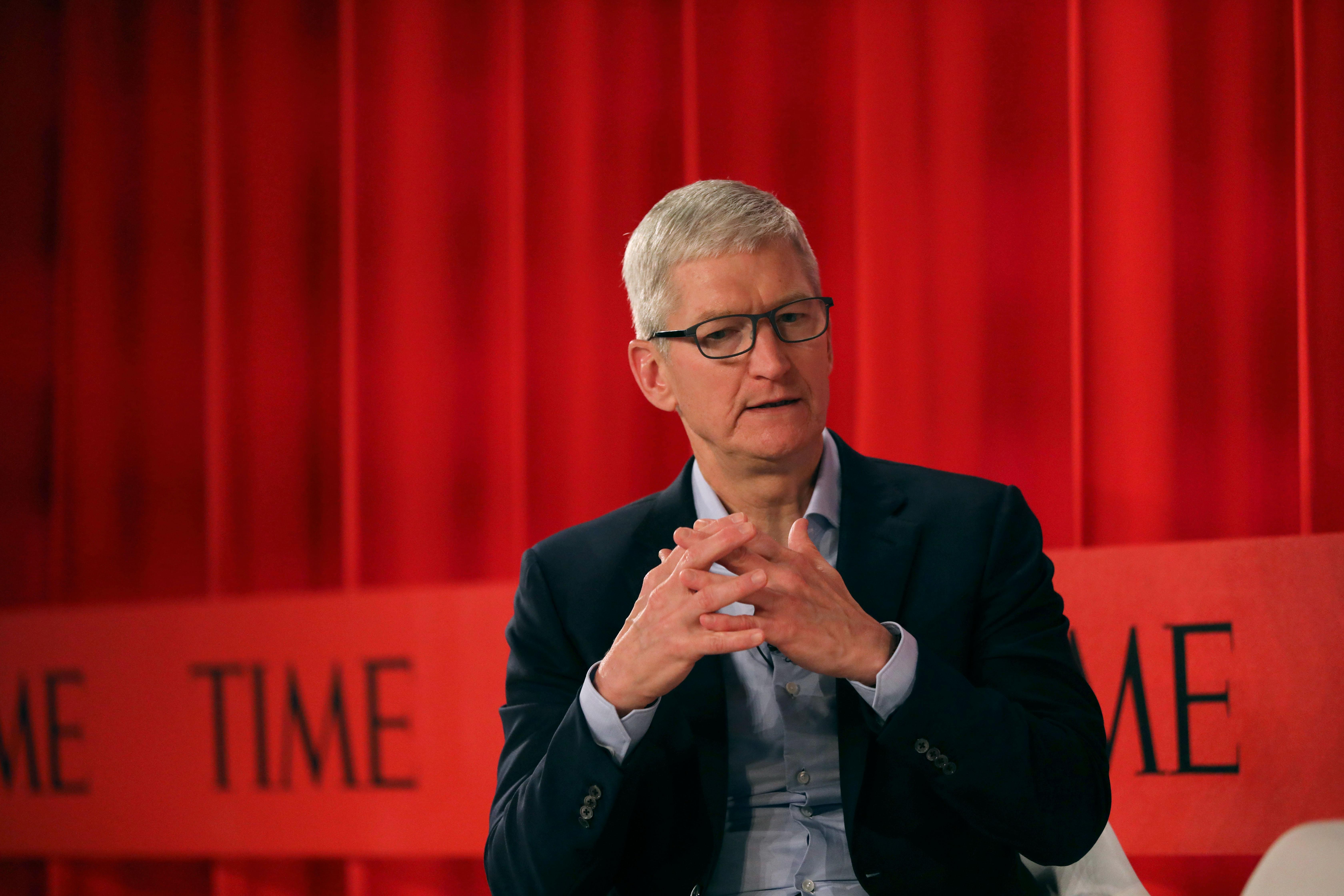 Elizabeth Warren wants to break up Big Tech. Tim Cook says keep Apple out of it.