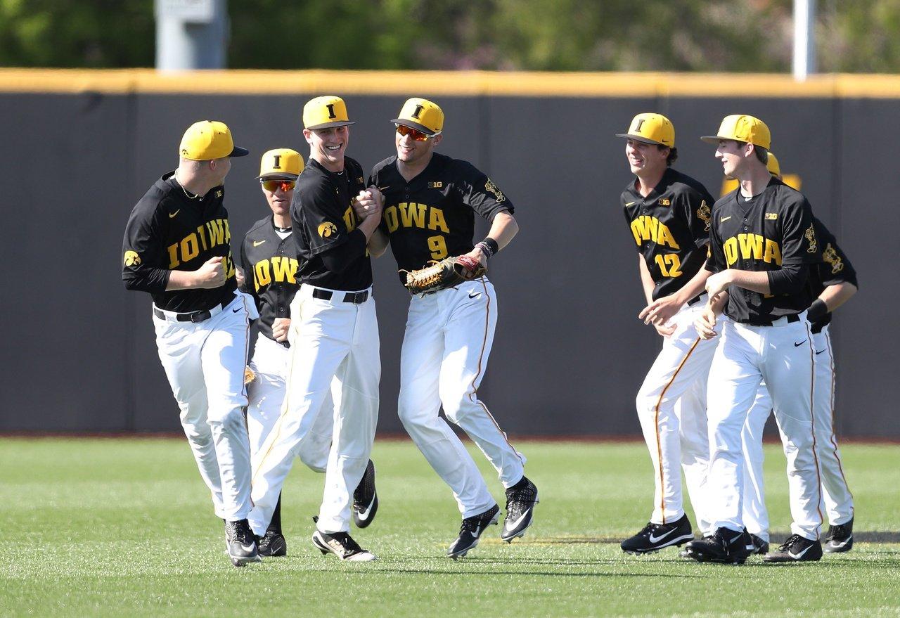 cfa66938b22 Iowa Baseball takes weekend series over No. 18 UC Irvine