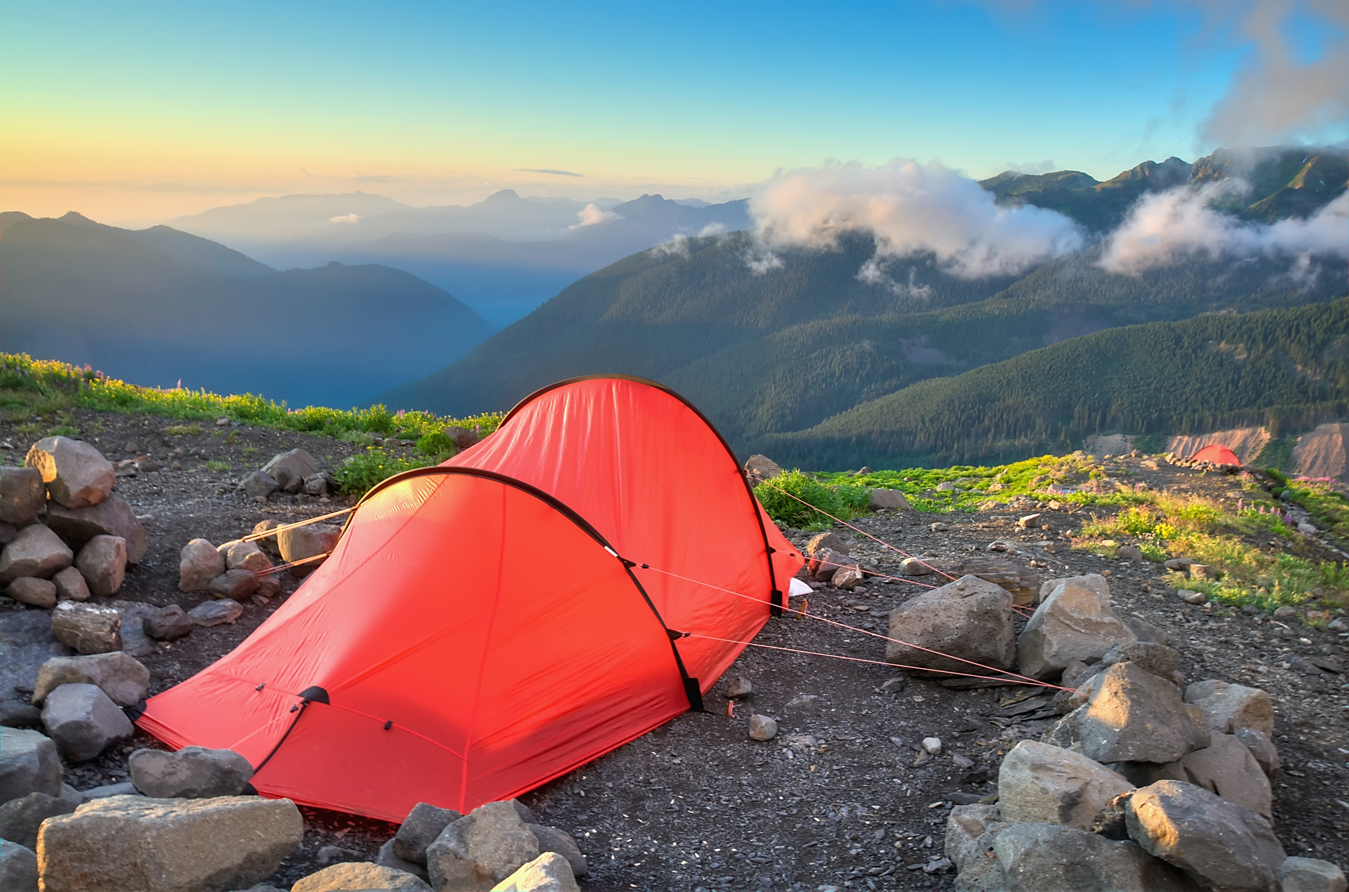 8 essential backpacking trips near Seattle