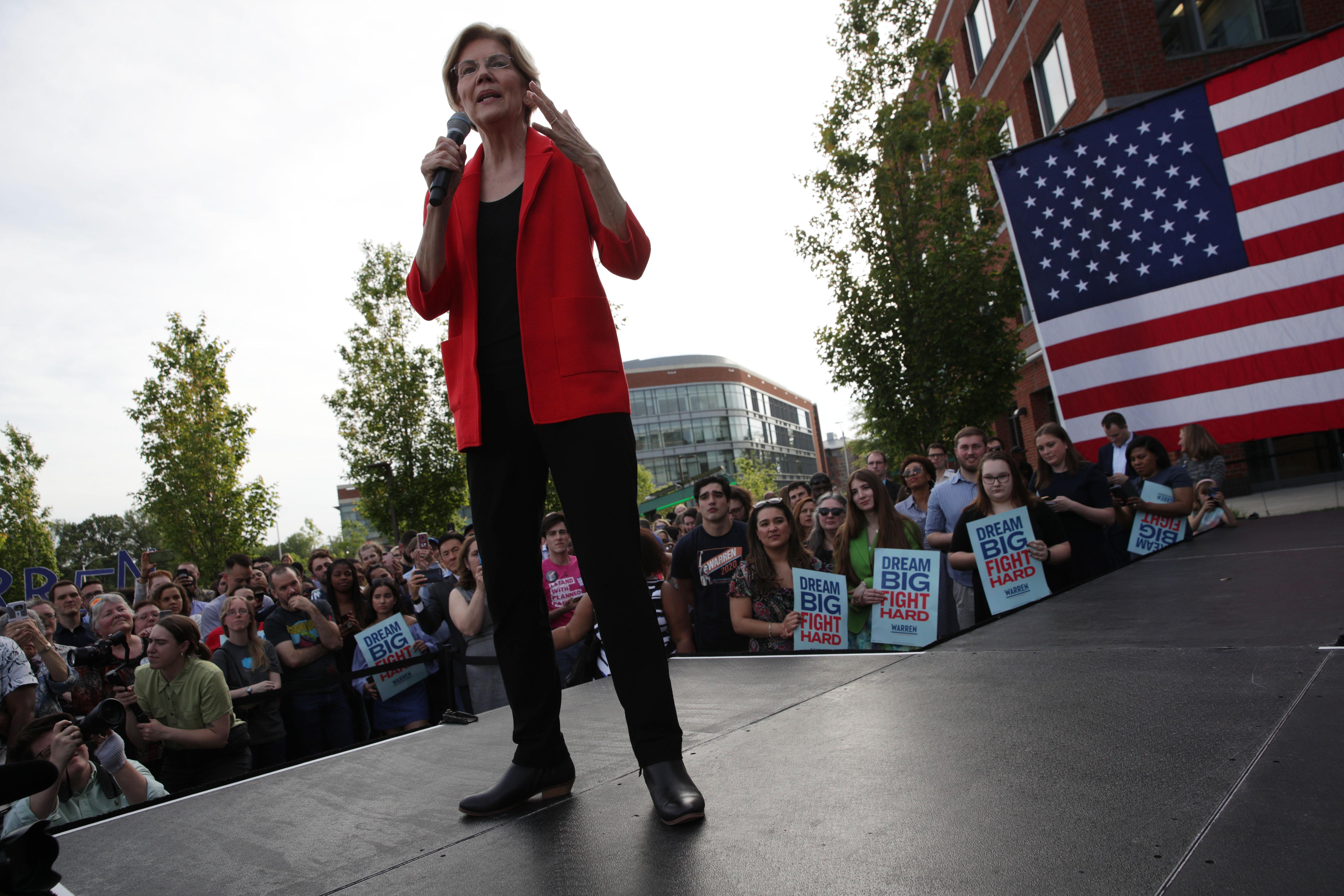 Elizabeth Warren just announced her abortion platform. It's aggressive.