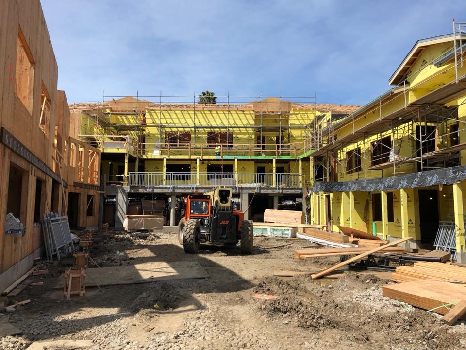 townhomes being constructed in Oakland