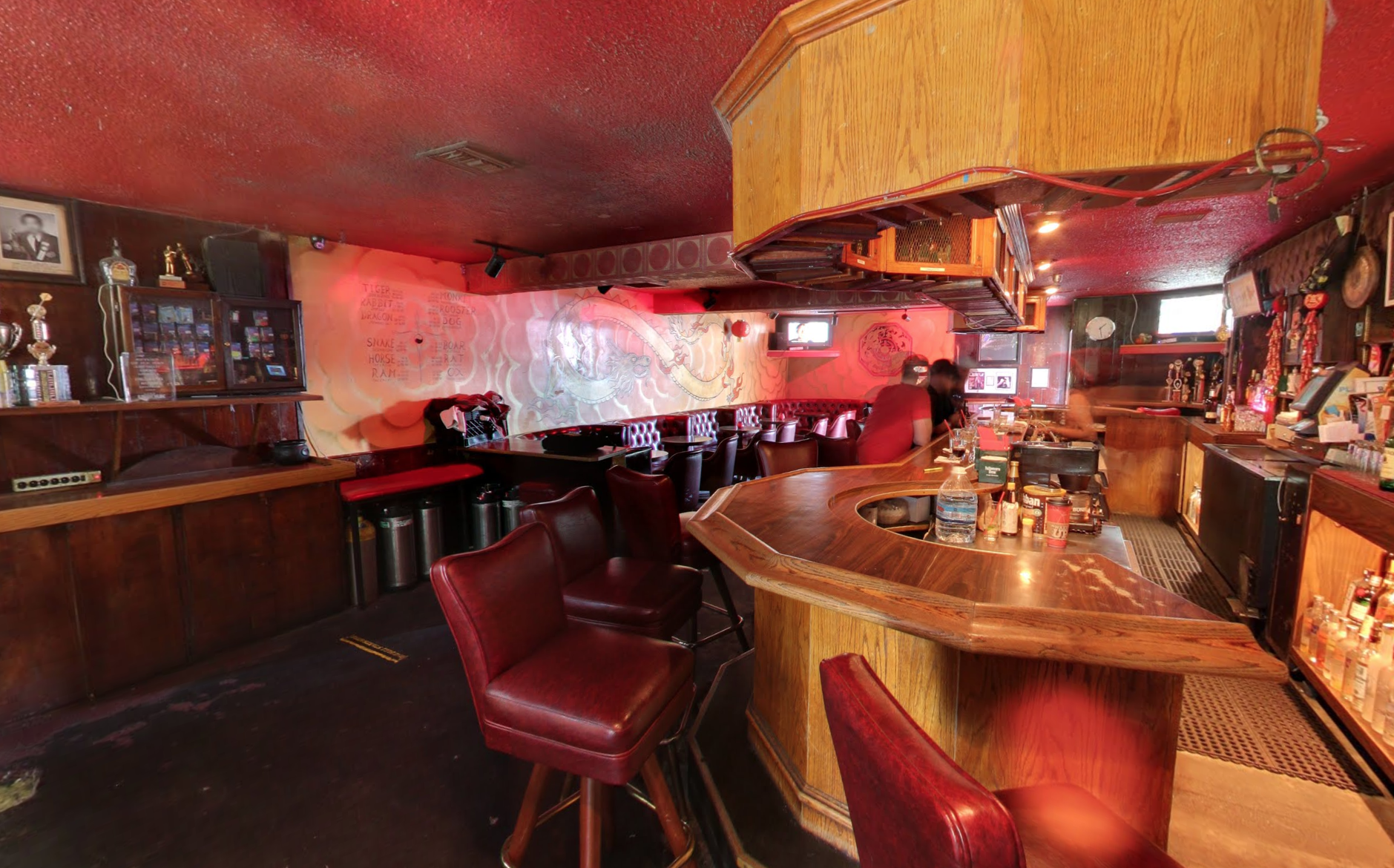 Man Blames Los Feliz Dive Bar the Drawing Room for Vicious Attack