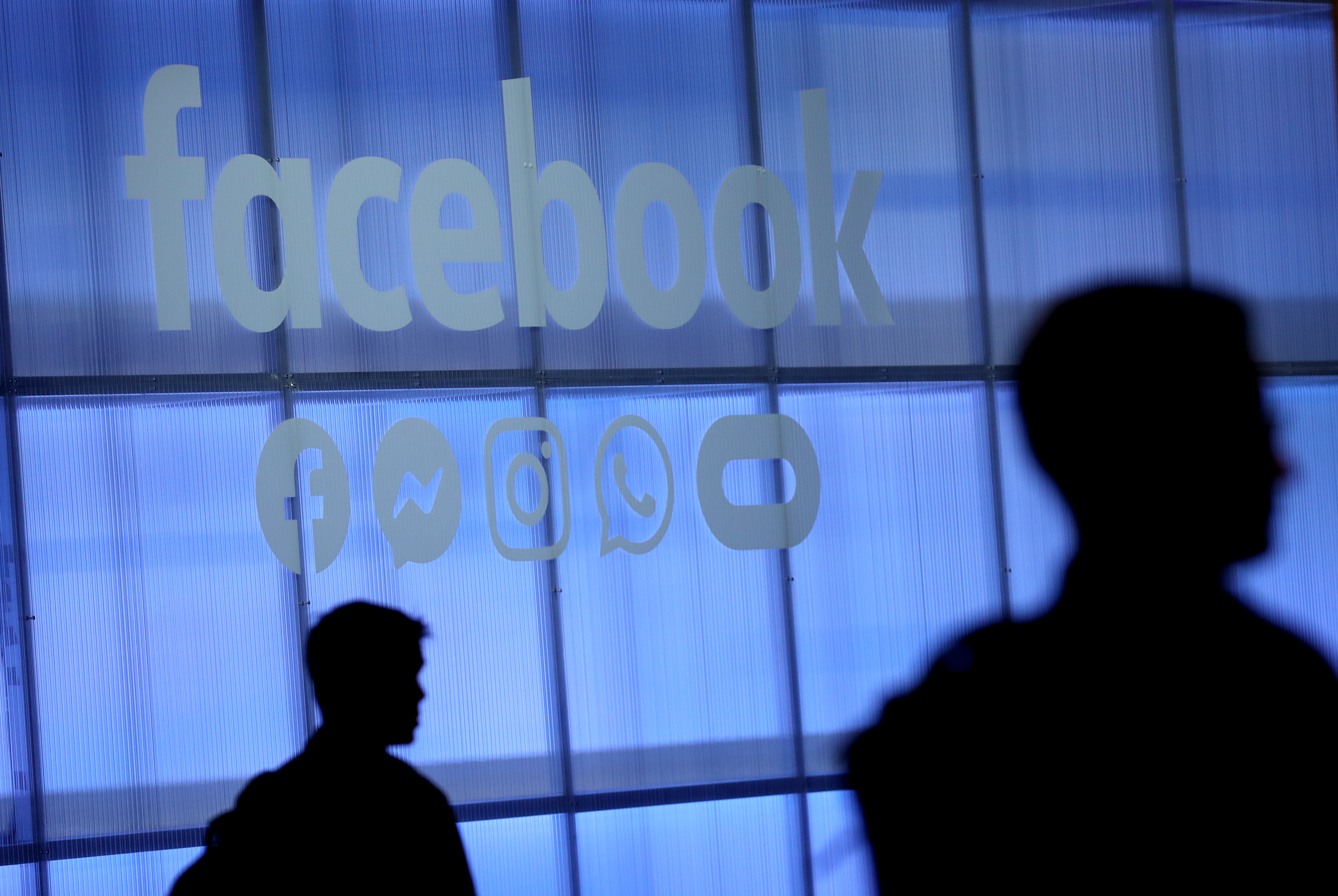 los angeles 6327a dc82c Facebook has taken down billions of fake accounts, but the problem is still  getting worse