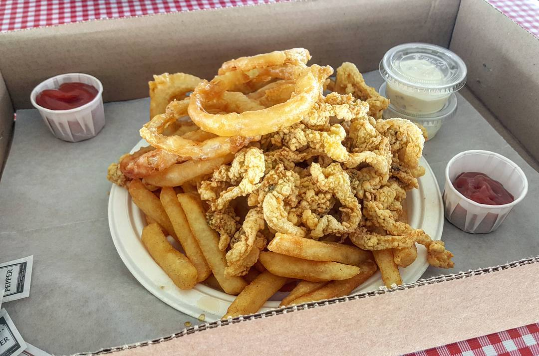 Take a Fried Clam Food Crawl Through Essex on Massachusetts' North Shore