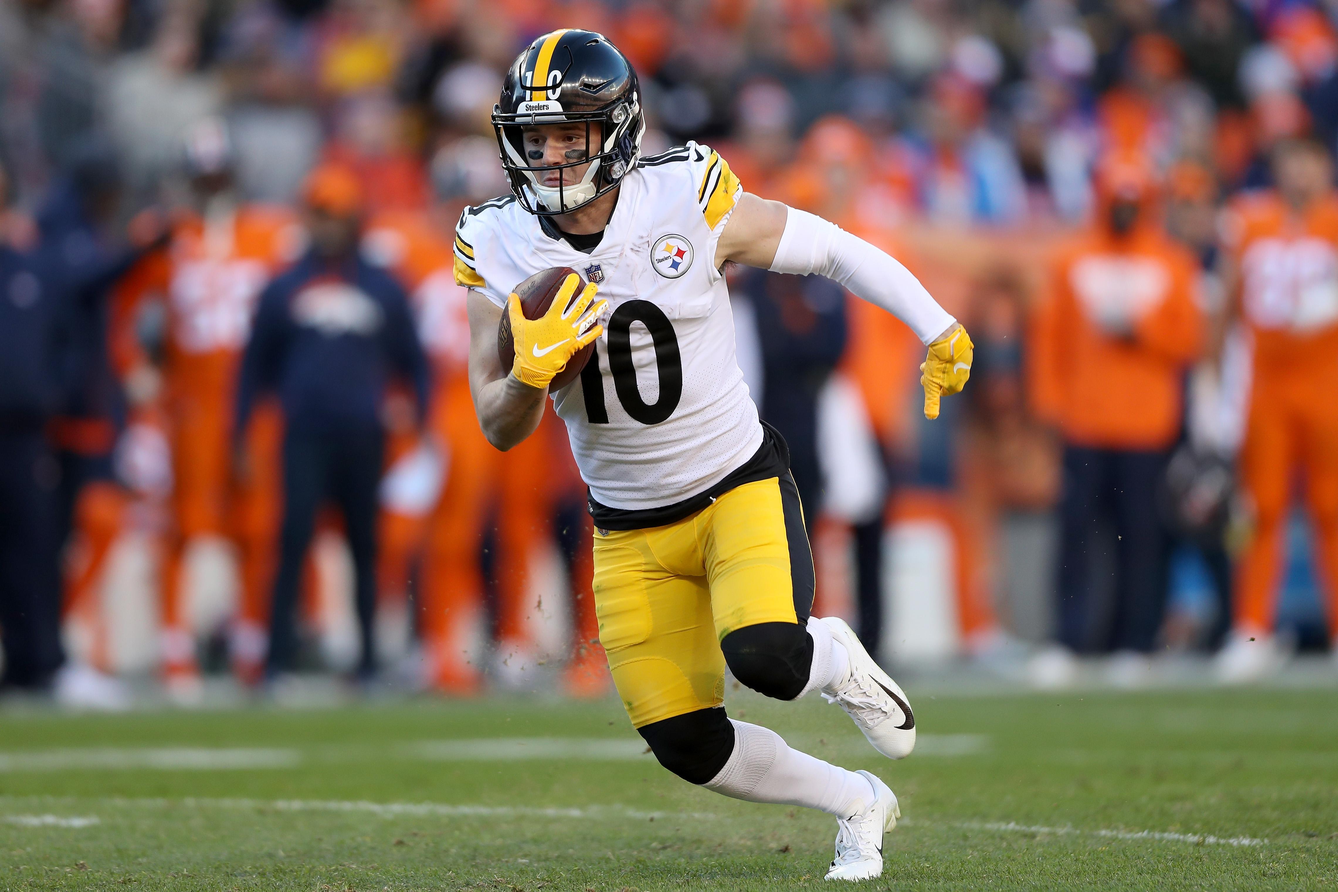 4757ce31ecf Pittsburgh Steelers 2019 Camp Battles: Eli Rogers vs. Ryan Switzer ...