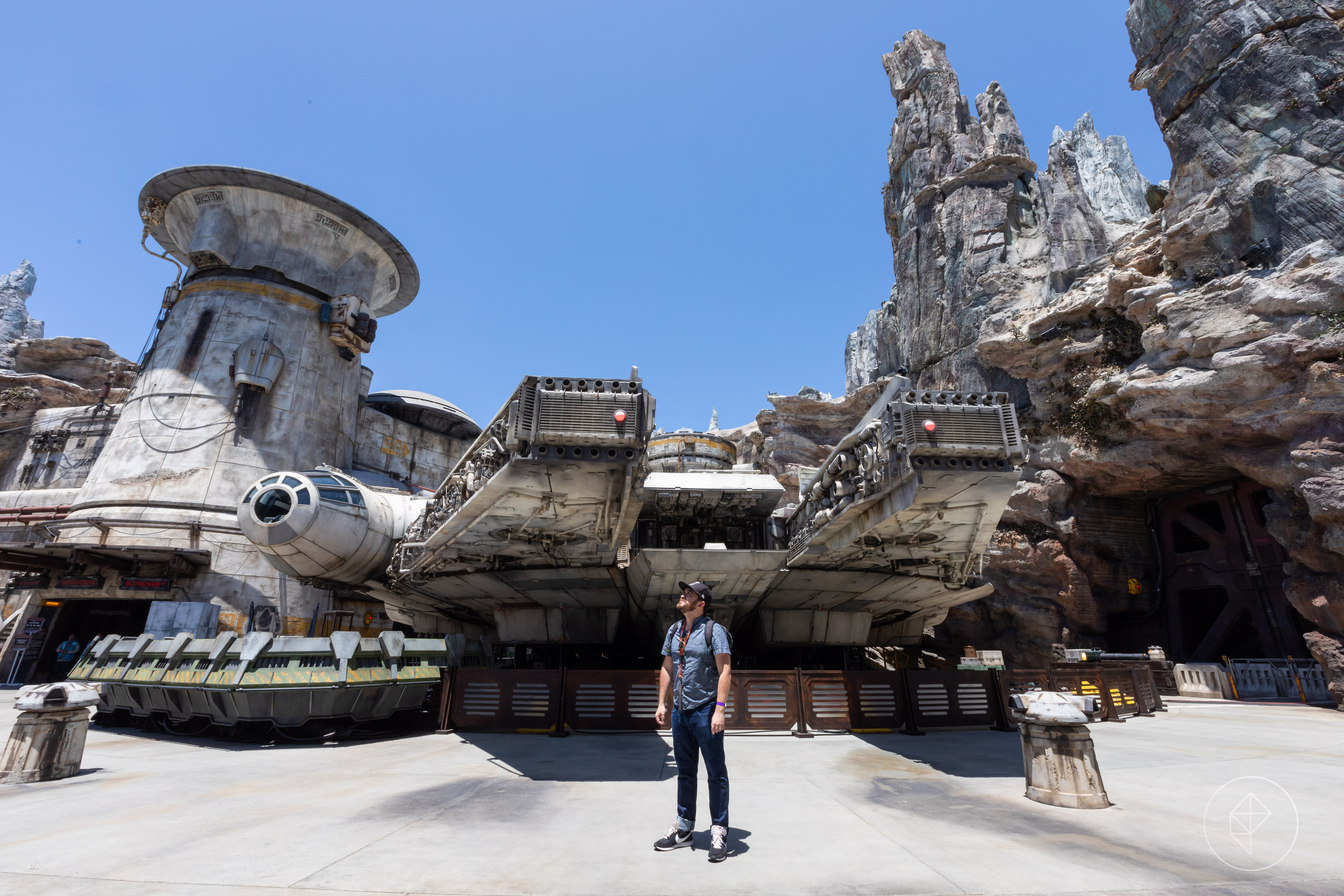 A tour of Disneyland's Star Wars Galaxy's Edge in 30 photos