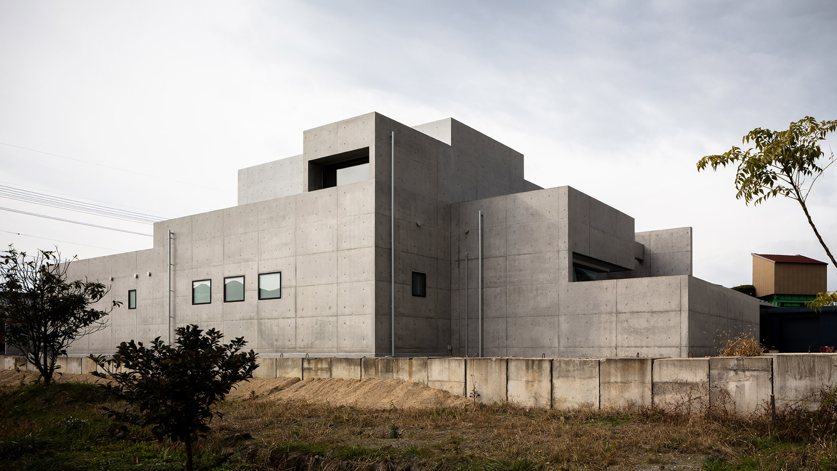 Fortress-like concrete house is the ultimate escape
