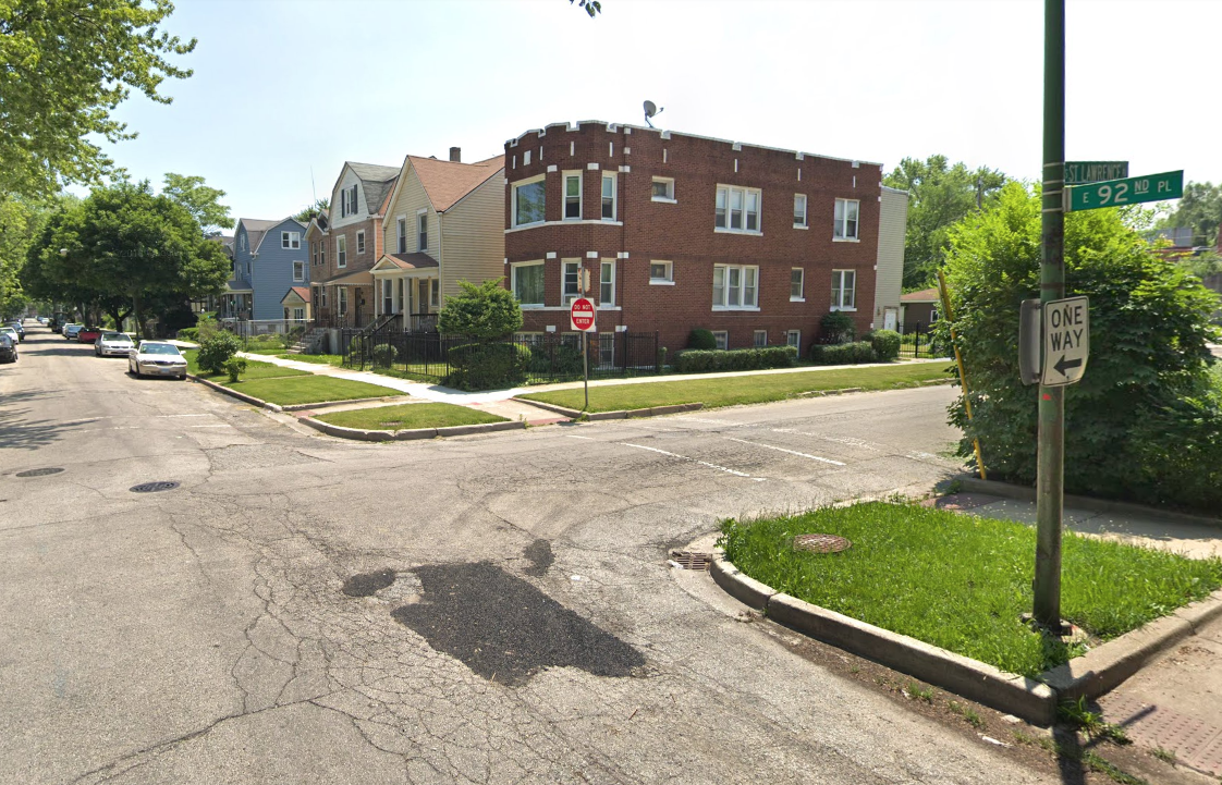 600 block of East 92nd Place