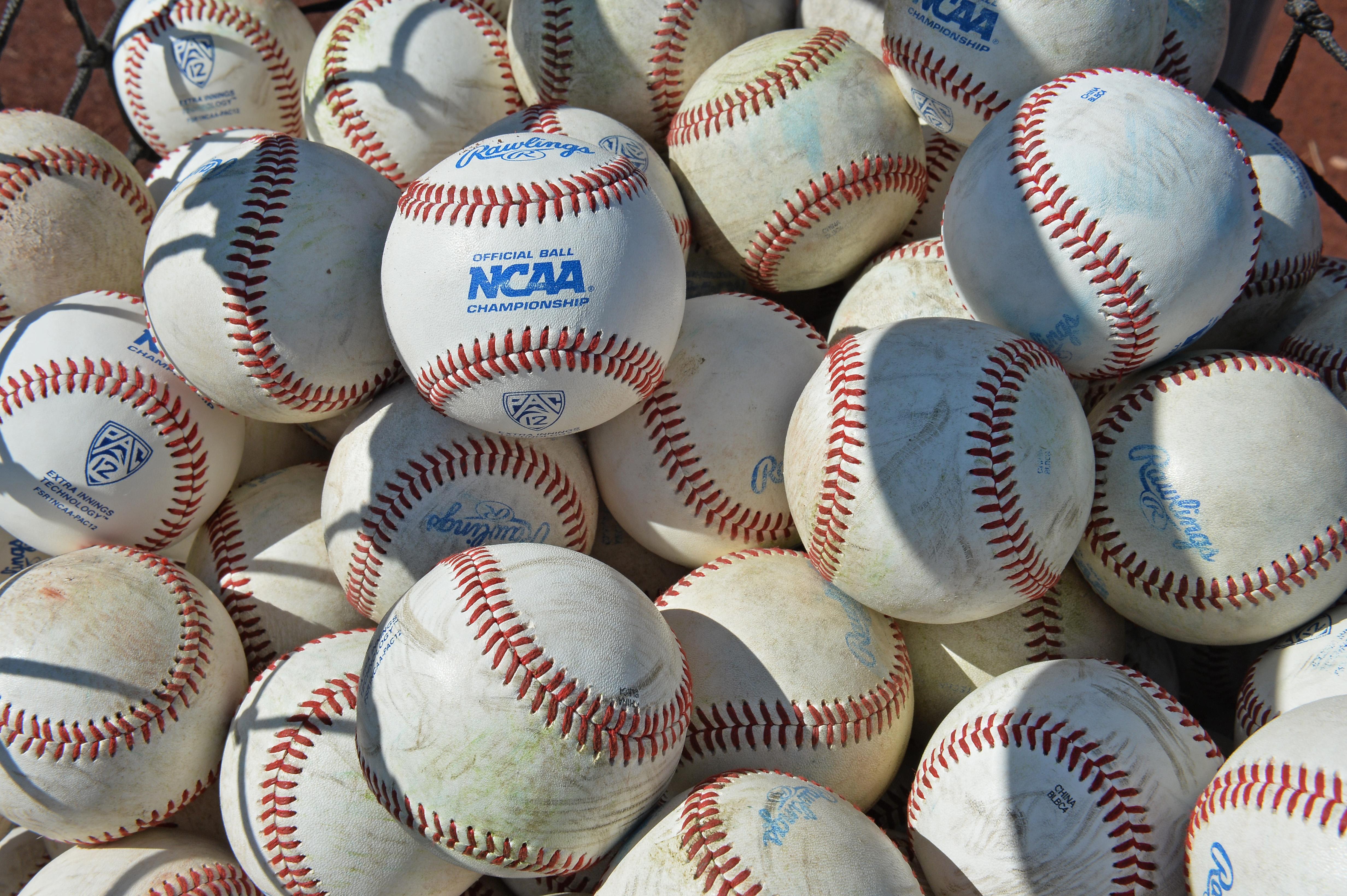 College World Series - Coastal Carolina v Arizona - Game Two