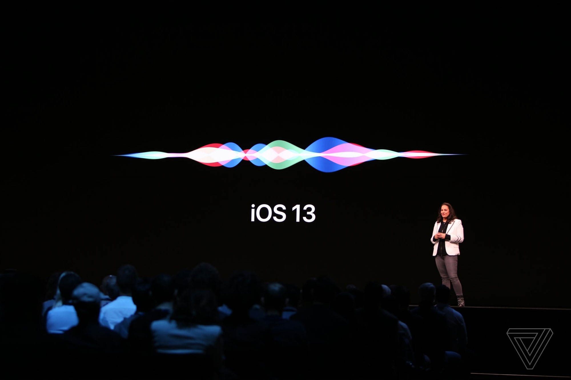 Siri is getting a new voice in iOS 13 - The Verge