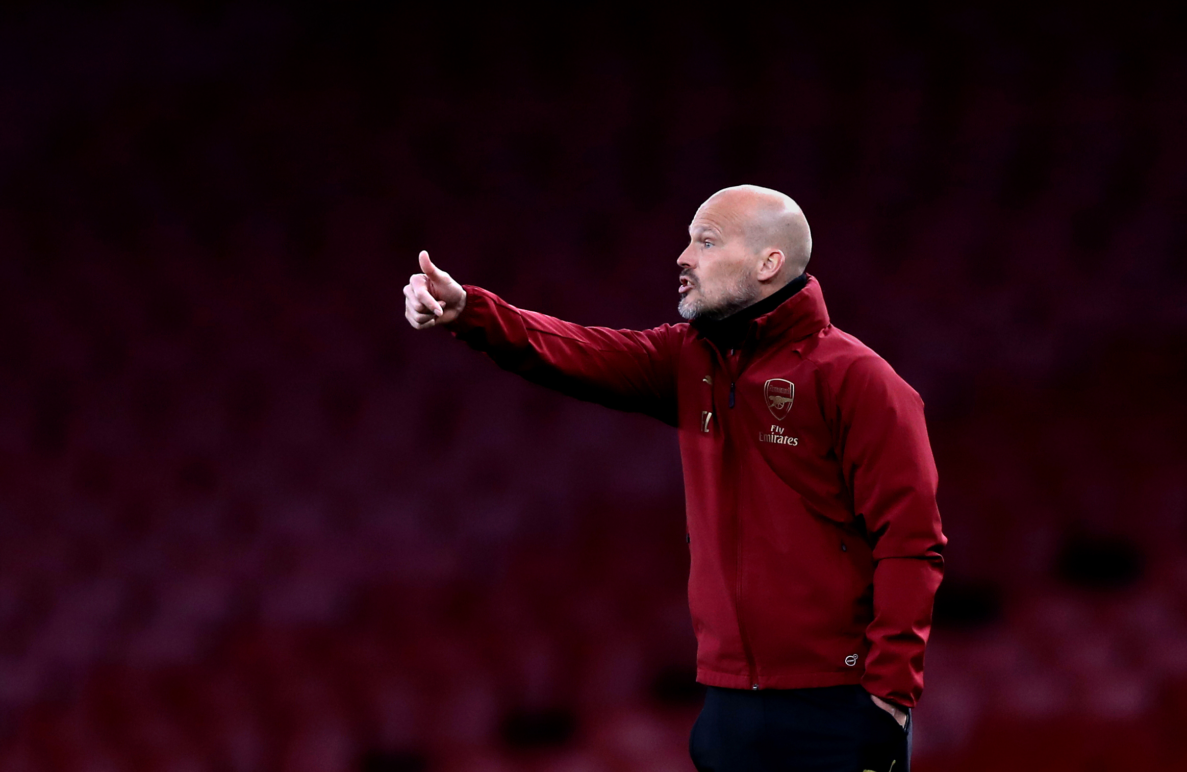 Coaching-go-round: Ljungberg up, Bould down