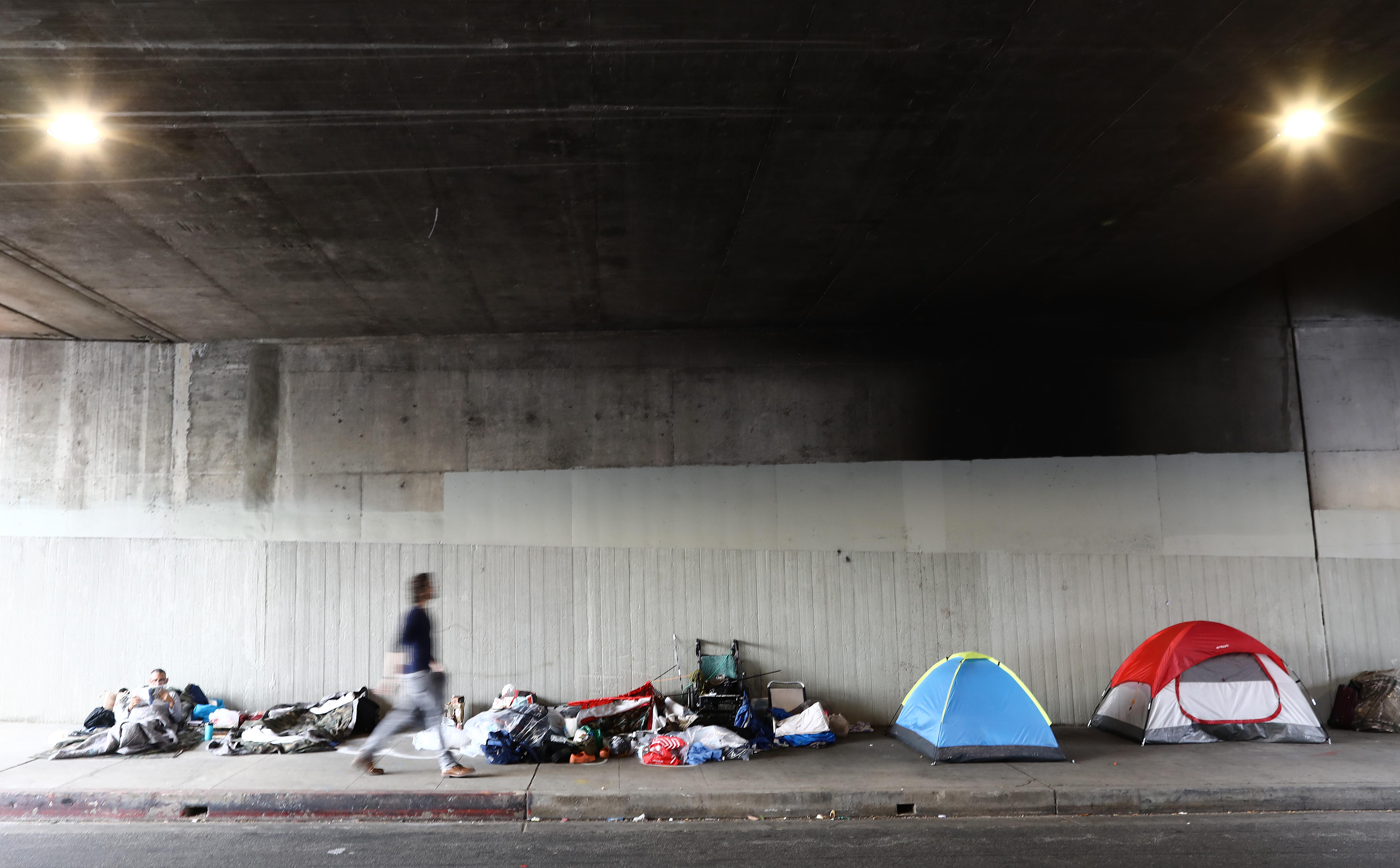 New report underscores link between 'shocking' number of evictions, homelessness