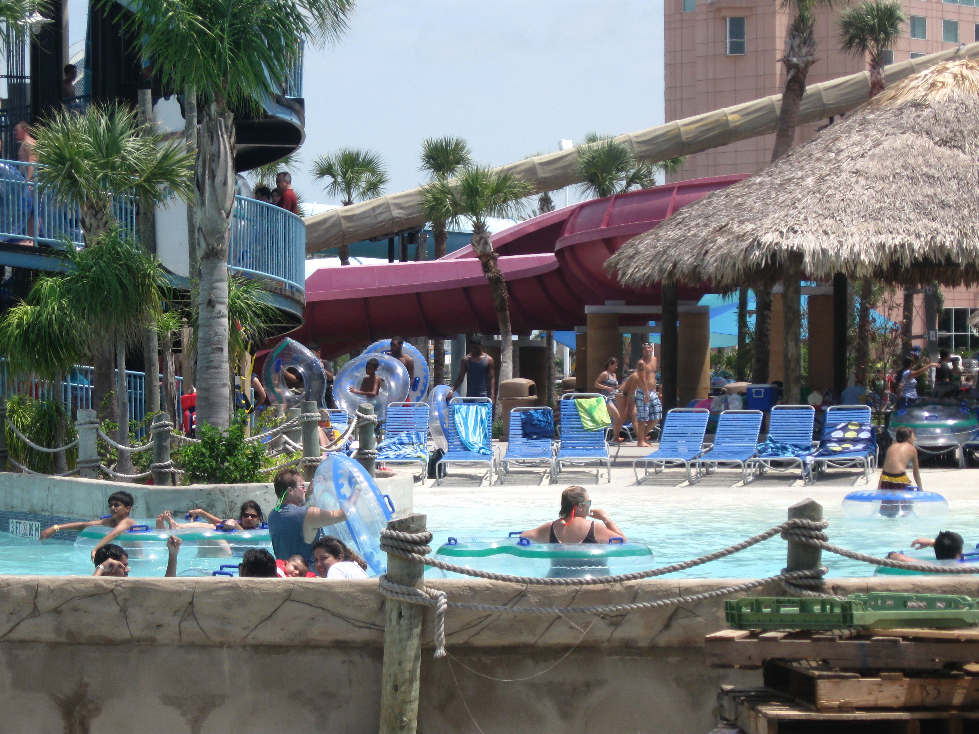 Schlitterbahn to sell two Texas water parks for $261M